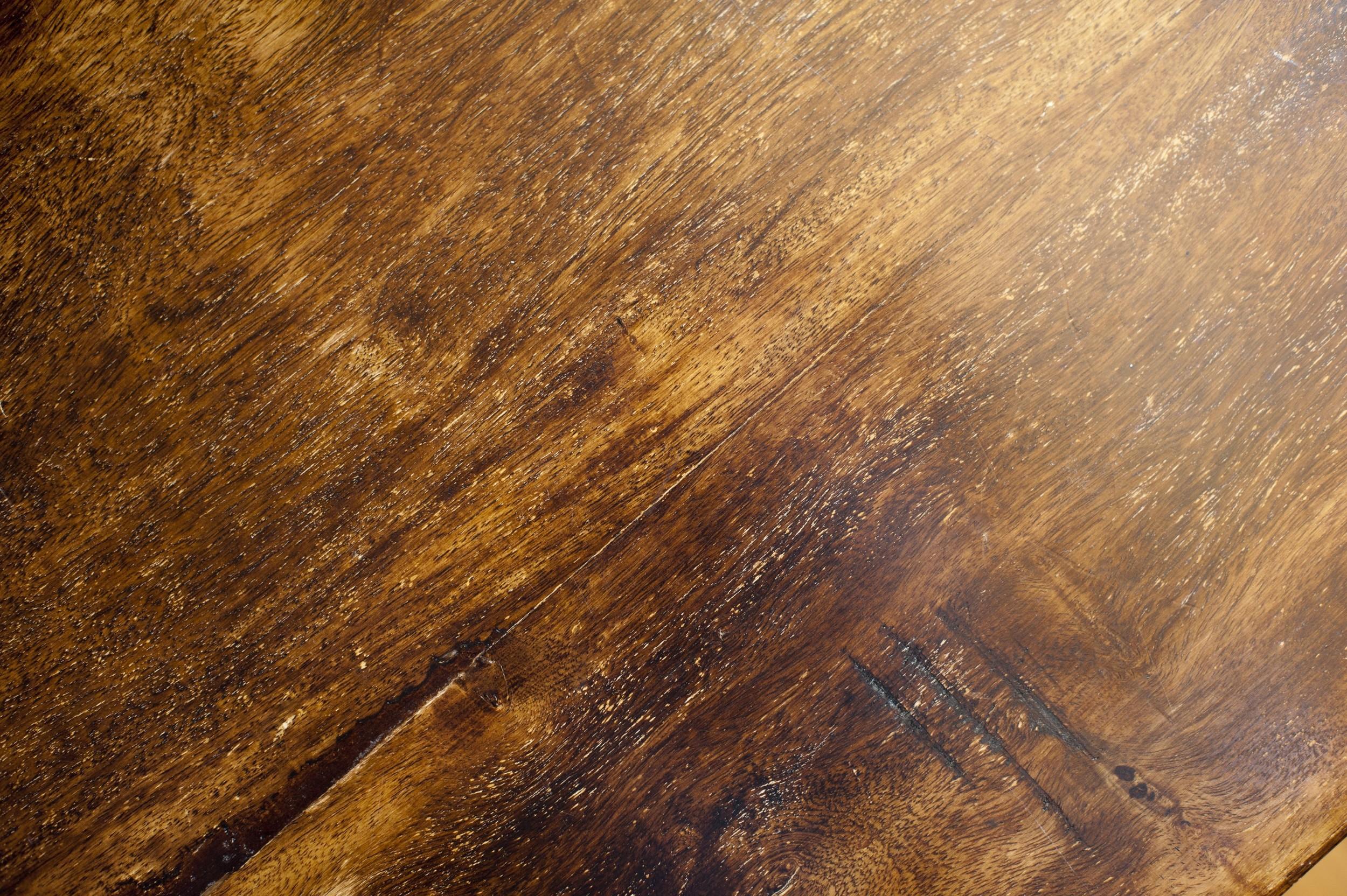 WOOD: clean surface, remove loose debrisor re-paint.
