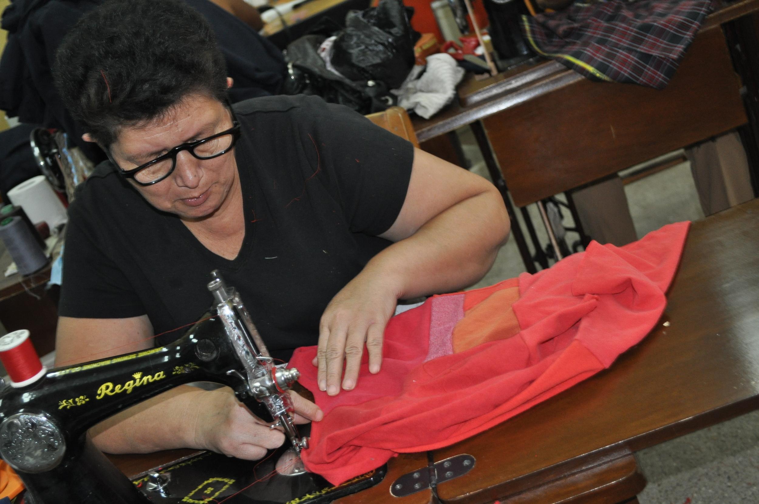 Romelia working on a Lizalig production 1012