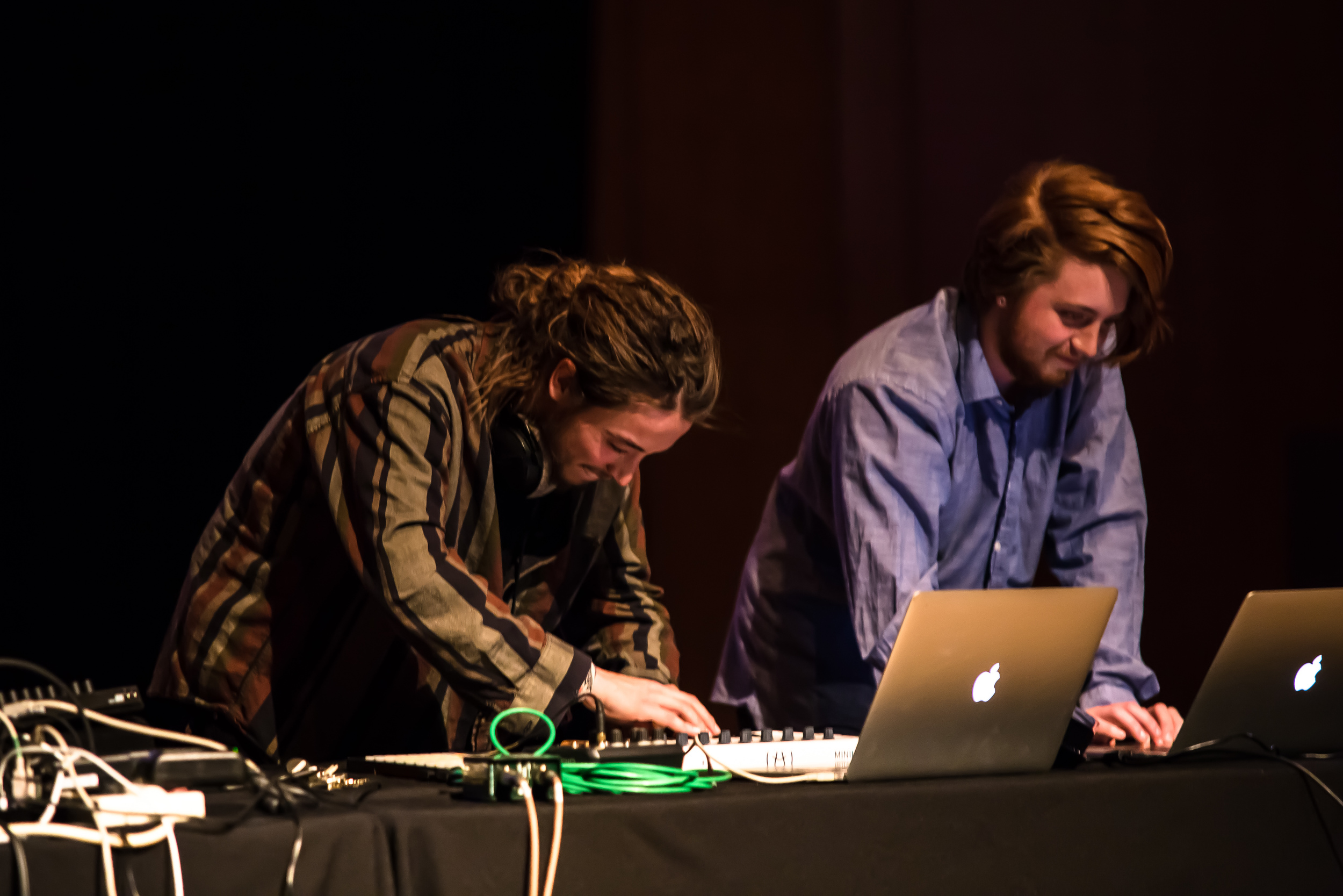 20150319_Art_Gallery_Iron_Pour_Lecture_Electronicatopia_0736.jpg