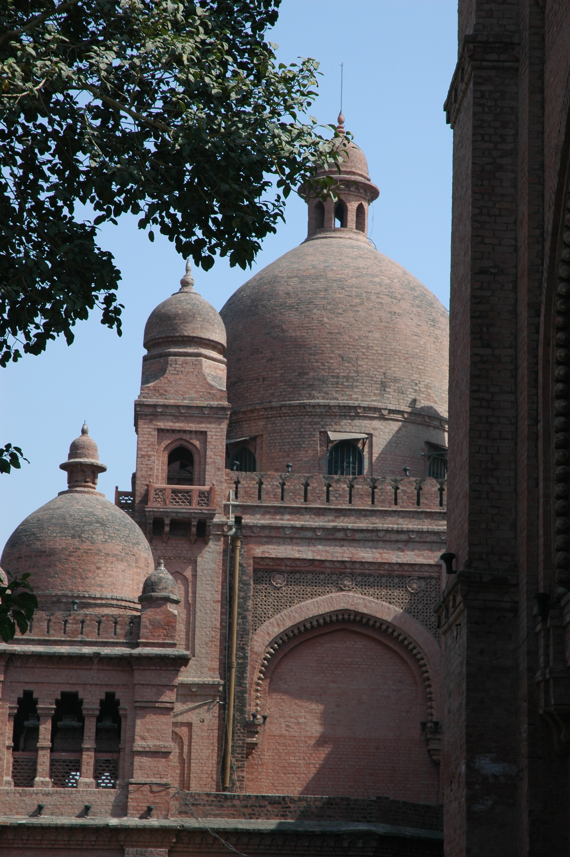 Lahore Museum from the National College of Arts