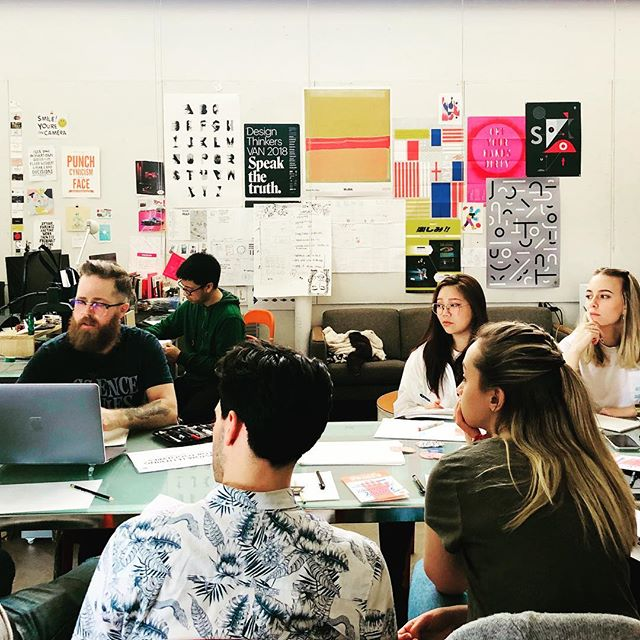 Spring '19 Workshop kick-off with @balloftheabove leading the @wwu_bfa group through his hand lettering and branding process. They now have six weeks to produce a hand lettered brand for a product. #design #handlettering #branding #wwudesign (close-up photo cred: @naiathecreator)