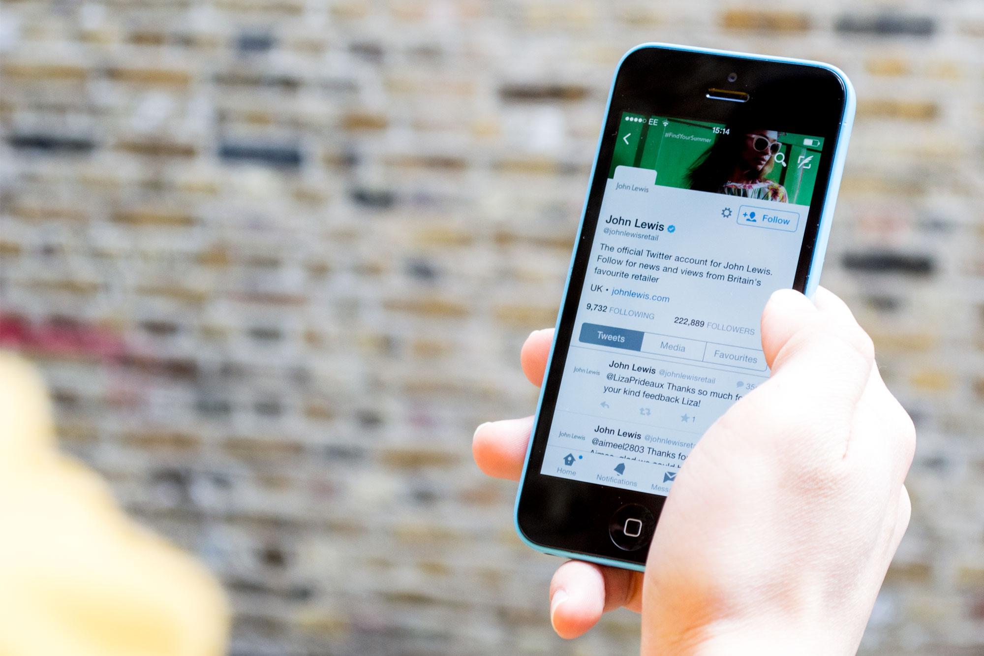 social-mobile.jpg