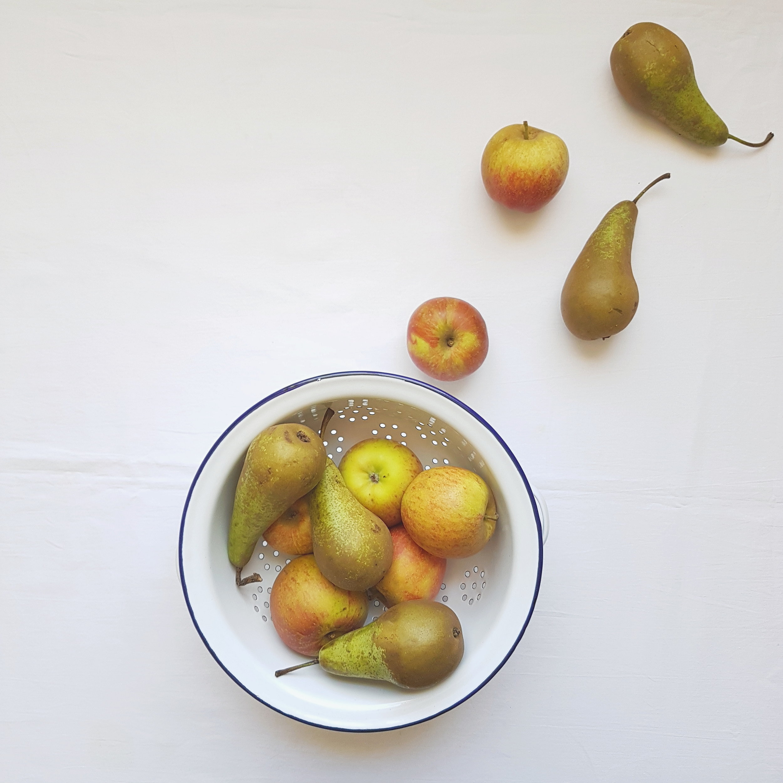 apple pear and cardamom puree