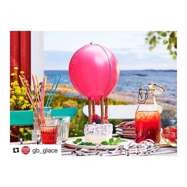 Studiobygge gjort i #hyrstudion. 📷 @jakobfridholmphotography 🎂 @pastrydesign #Repost @gb_glace ・・・ GLAD MIDSOMMAR 🌸🌼 . Glöm inte att fira med ett vackert glasskonstverk och ha möjligheten att vinna en årsförbrukning av glass! 😍🍦 ' Tagga någon som du vill tävla med! ' Såhär tävlar ni: 1. Följ @gb_glace på instagram där ni kan hitta inspiration ❤️ 2. Bygg ditt glasskonstverk med hjälp av våra härliga produkter och namnge konstverket med en hashtag (#glassborg #glasshund) 🐶 3. Ta en bild som ni lägger upp med hashtagen #ByggaMedGB & tagga @gb_glace i bilden! 📷 4. Vinn och njut av vår underbara glass för resten av året 😋 ' Ett vinnande bidrag dras den 26e Juni - lycka till! 🙌🏻 . #ByggaMedGB #glasspaus #gb_glace #glasstävling #tävling #nomnom