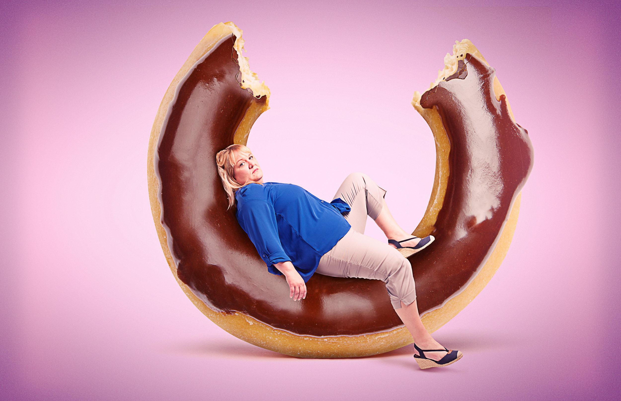 Woman_Donut_v01.jpg