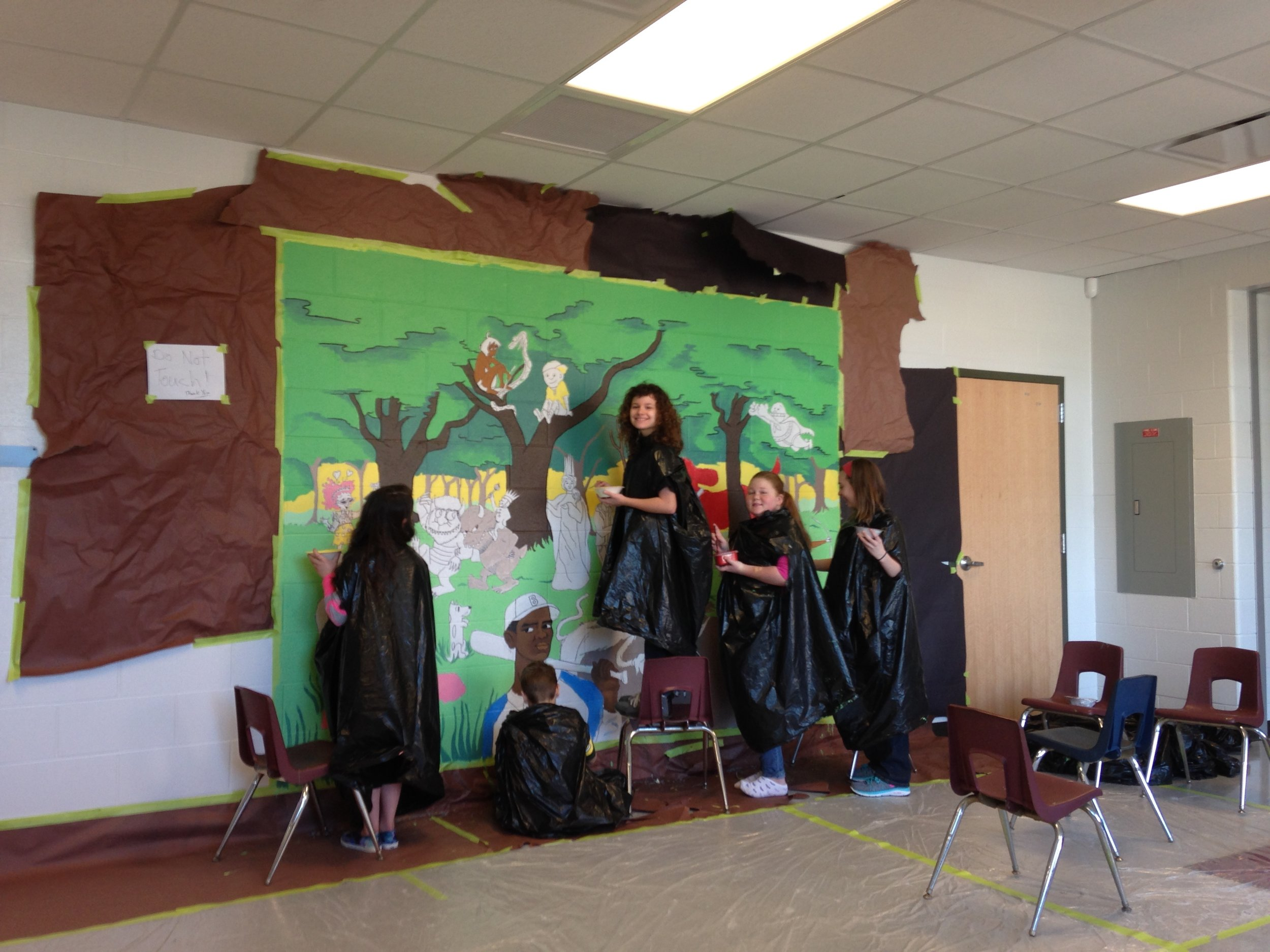 Mural at Coral Ridge Elementary with Grades 3-5
