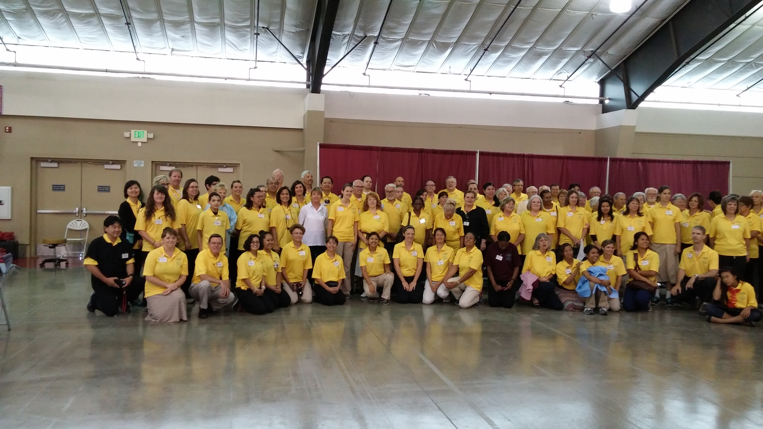 Volunteers at Pathway to Health 2015.
