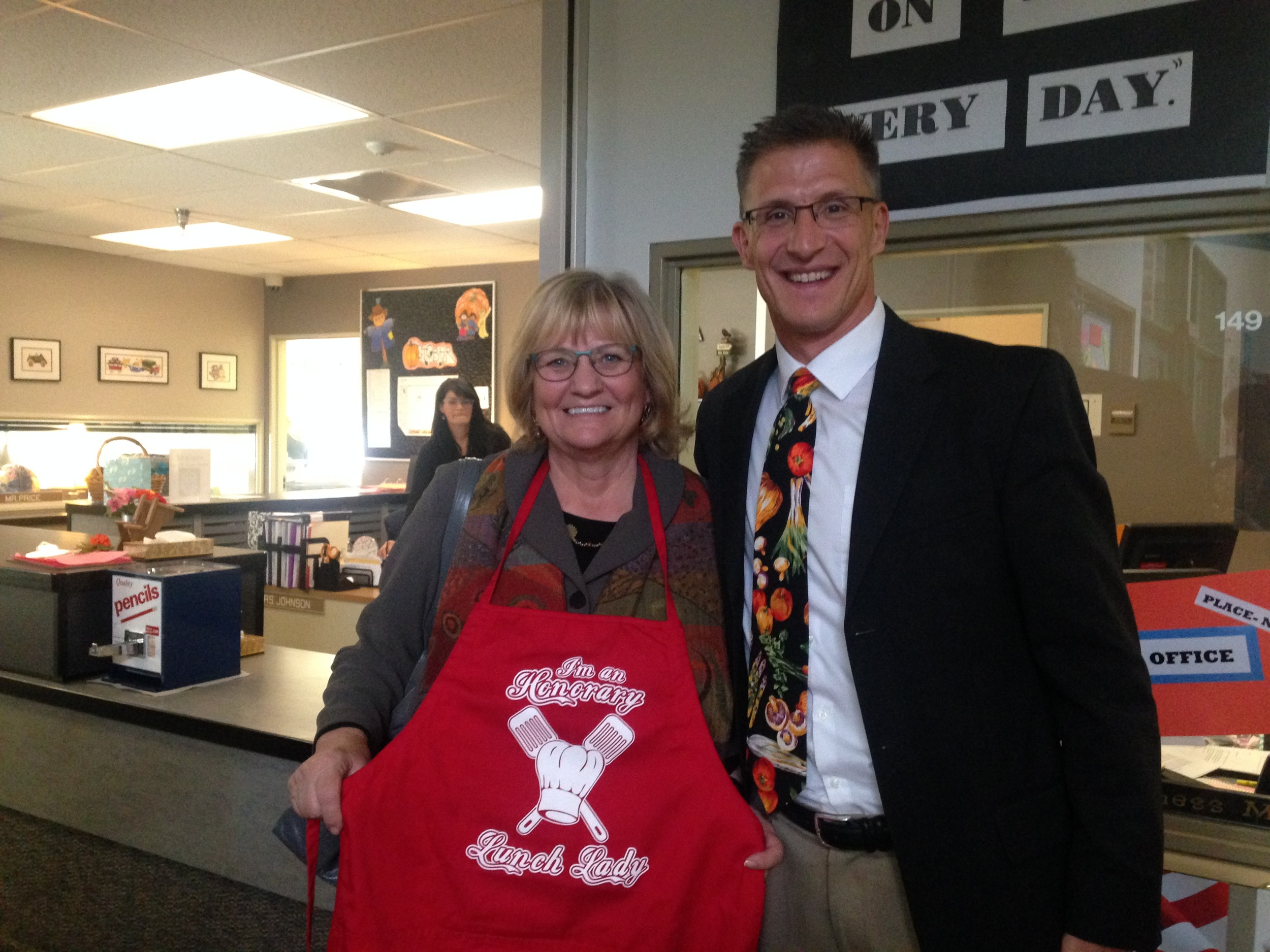 First Lady Inslee and Spokane Public Schools Director of Nutrition Services Doug Wordell at Garfield Elementary.
