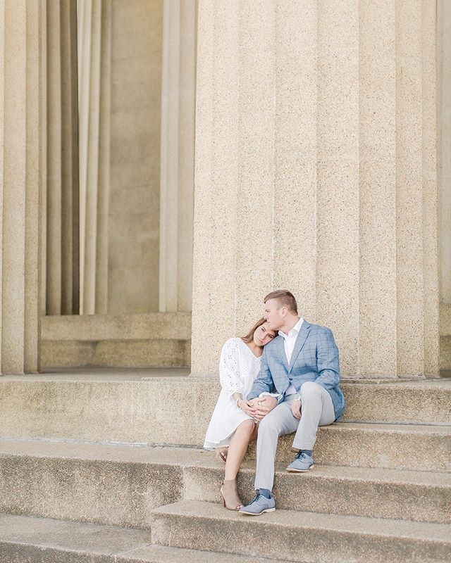 Really can't get enough of Ellen and Ben's engagement photos ♡ You'd never guess by looking that it was freezing cold and crazy windy that day, but their snuggles got them through it!