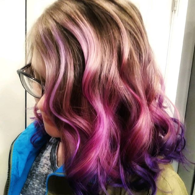 Keke. Is. KILLIN'. it. 🙌 Way to go @dos_by_keke_  #pravanavivids #behindthechair #modernsalon #mermaidhair #longhair #americansalon #grandhavenhairstylist #pinkhair #purplehair
