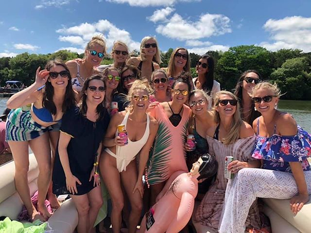 Texas weather at its finest! Thunderstorms in the morning and clear skies in the afternoon. Another successful bachelorette party in the books☀️