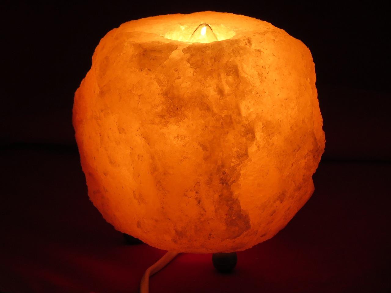 salt-lamp-768035_1280.jpg