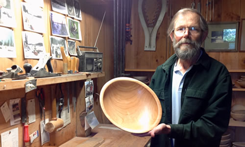 David Brown Woodworking   Maker of Turned Wooden Bowls & Plates   PO Box 15  Craftsbury Comm VT 05827  Phone: (802) 586-9625