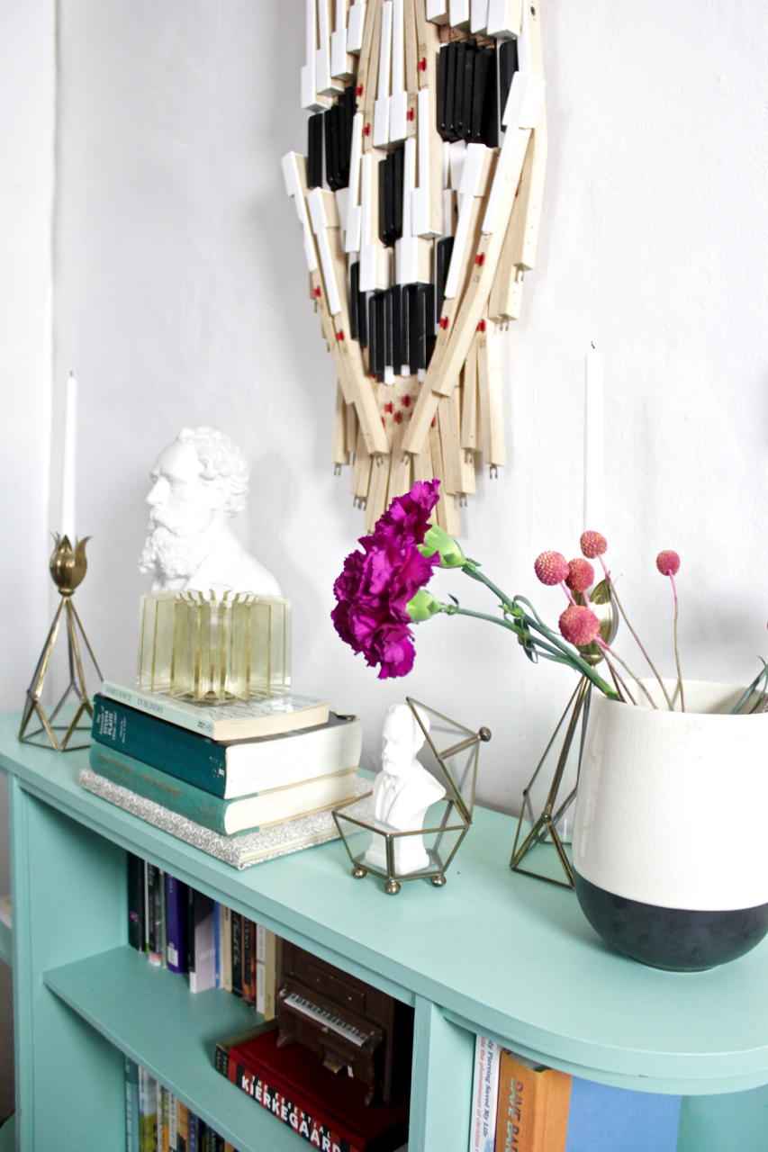 FallGothicBookcaseStyling
