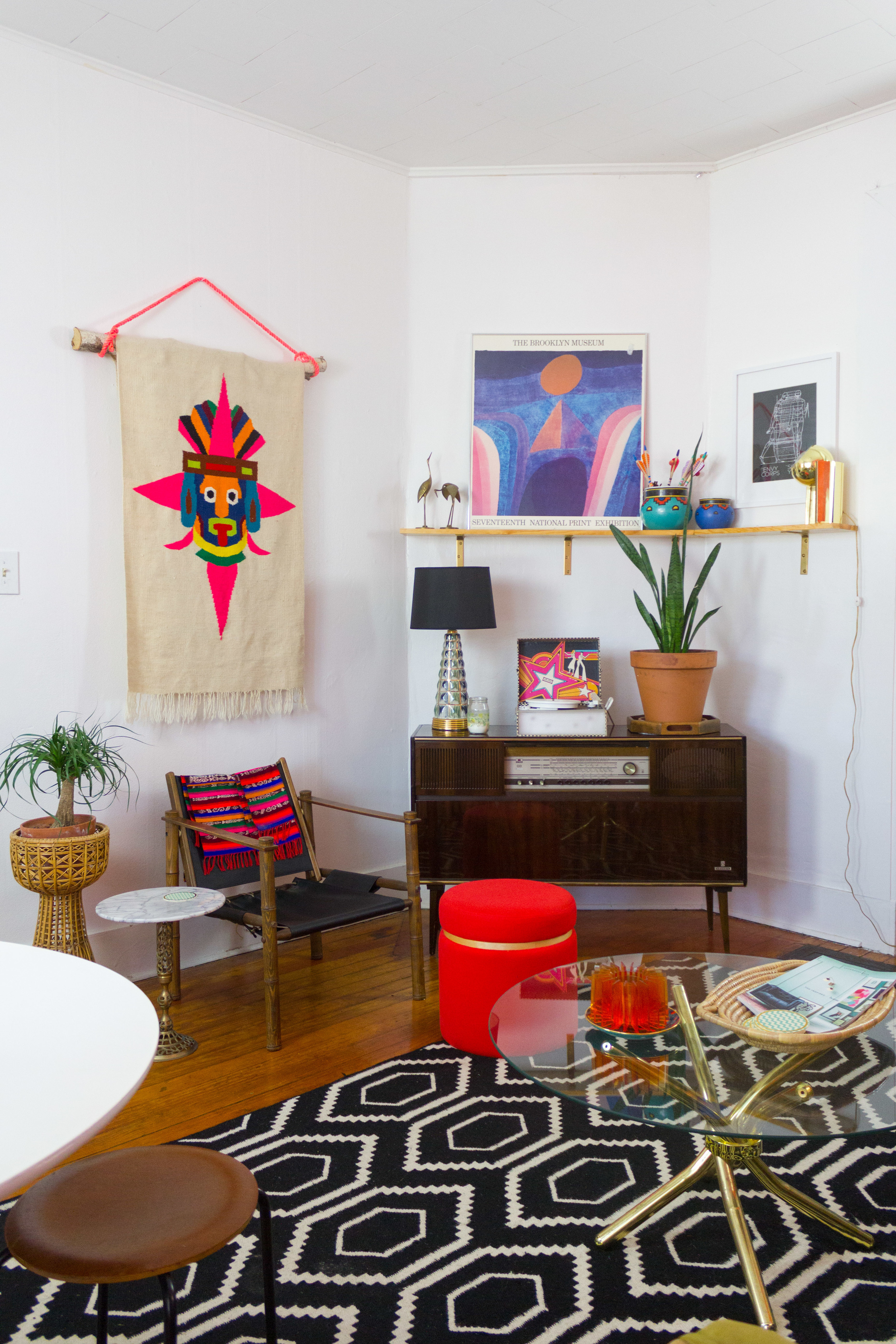 M Pettipoole – Pink Southwestern Living Room