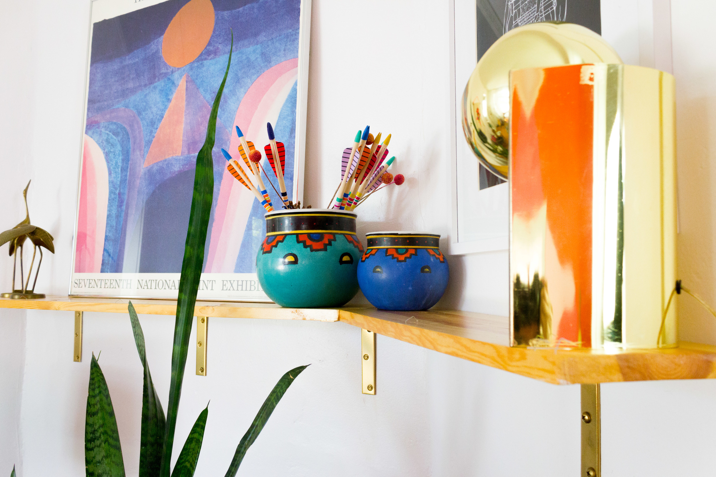 M Pettipoole – Southwestern Living Room Mantel Decor