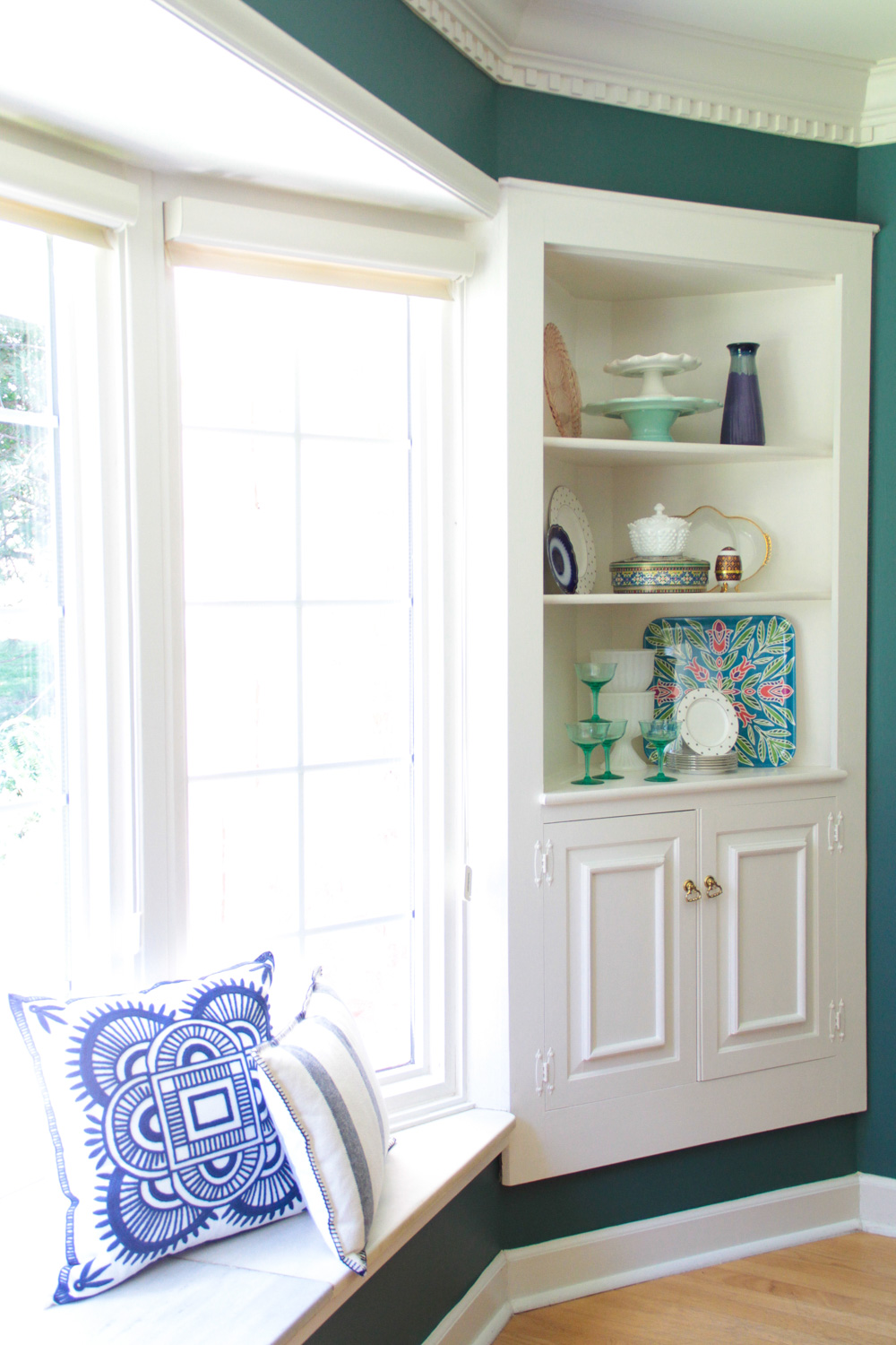 Window Seat and Corner Built-Ins in Modern Colonial Dining Room