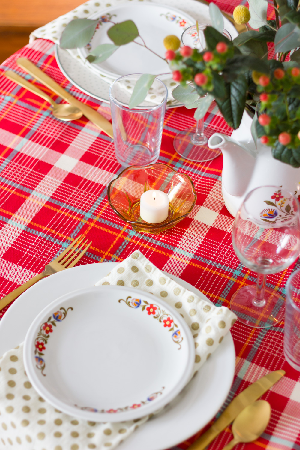 Plaid Thanksgiving Table Setting with Vintage Dishes