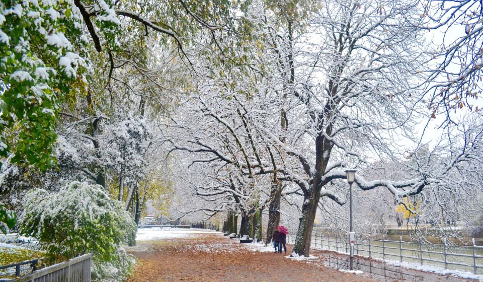 A walk along the Isar river in snow, Munich, Germany. Image©gunjanvirk