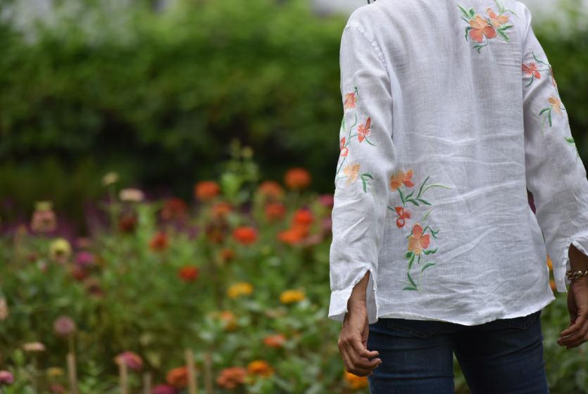 My beautifully embroidered JJill linen big shirt and Jjill jeans! Image©gunjanvirk