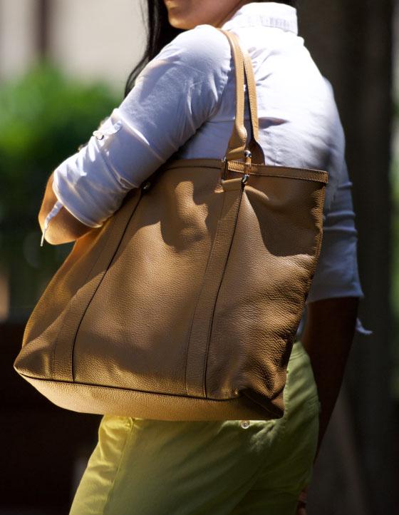 Shirt:Zara, Pants:Promod, Bag:Gucci, Belt:Zara. Image©gunjanvirk