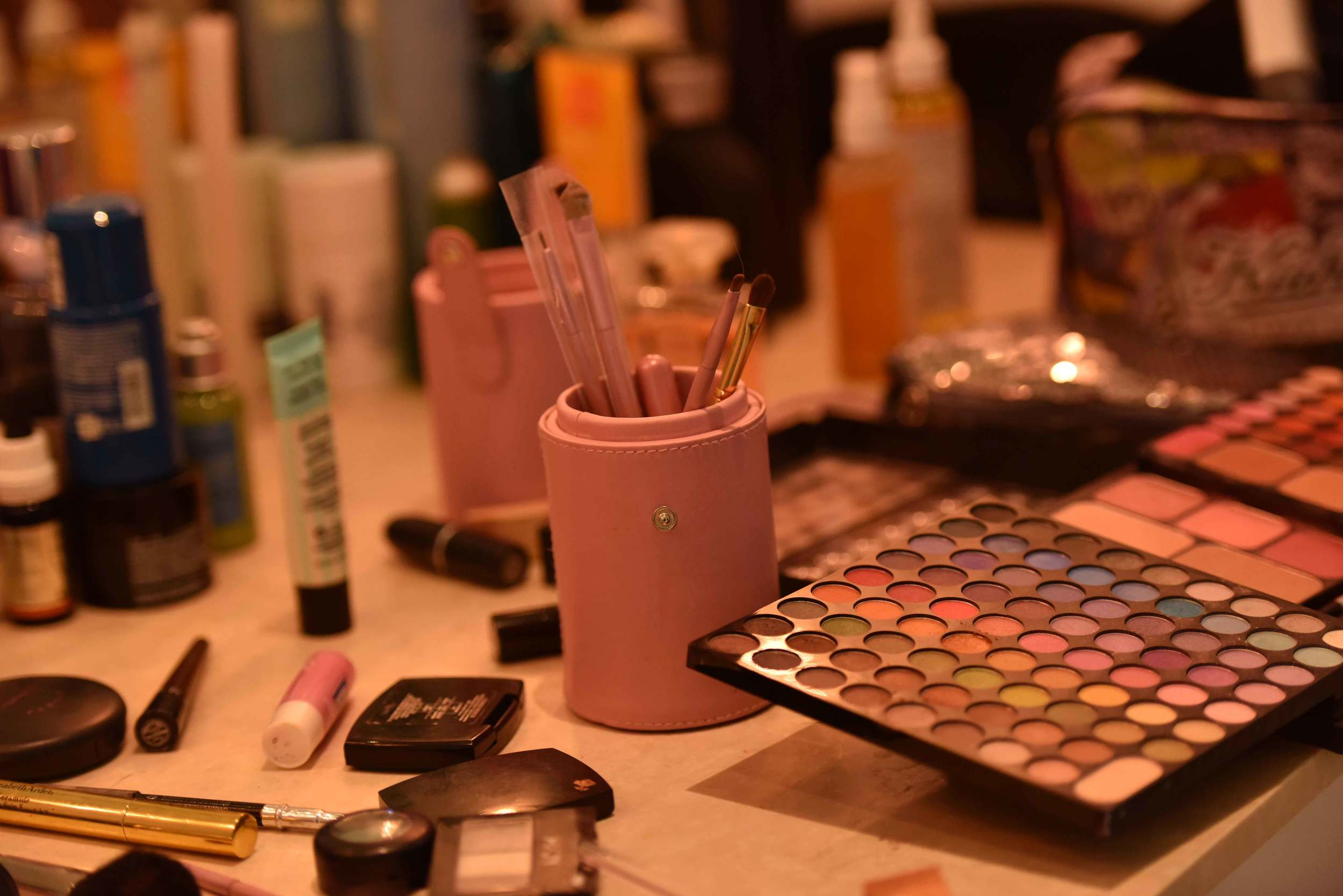 good make-up is must for a good fashion photoshoot. Image©gunjanvirk
