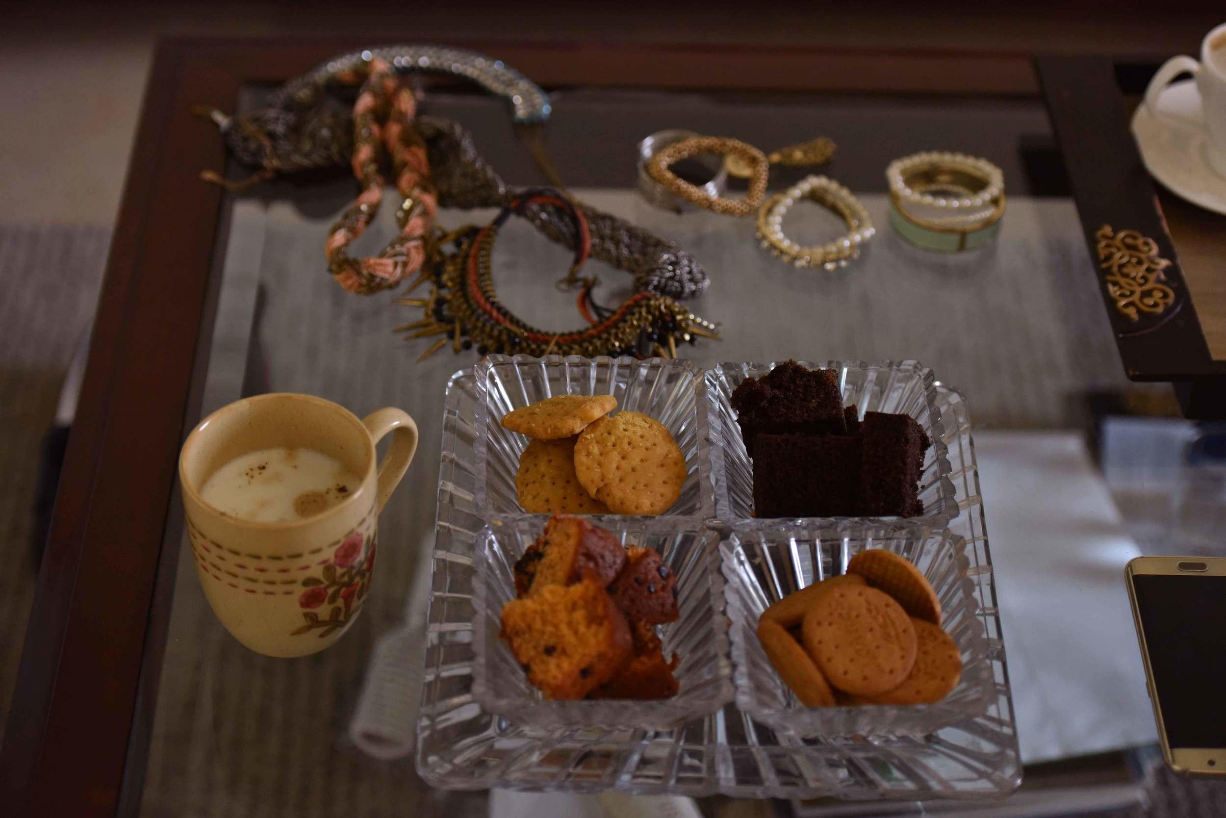 Cookies and coffee make a photoshoot fun! Image@gunjanvirk