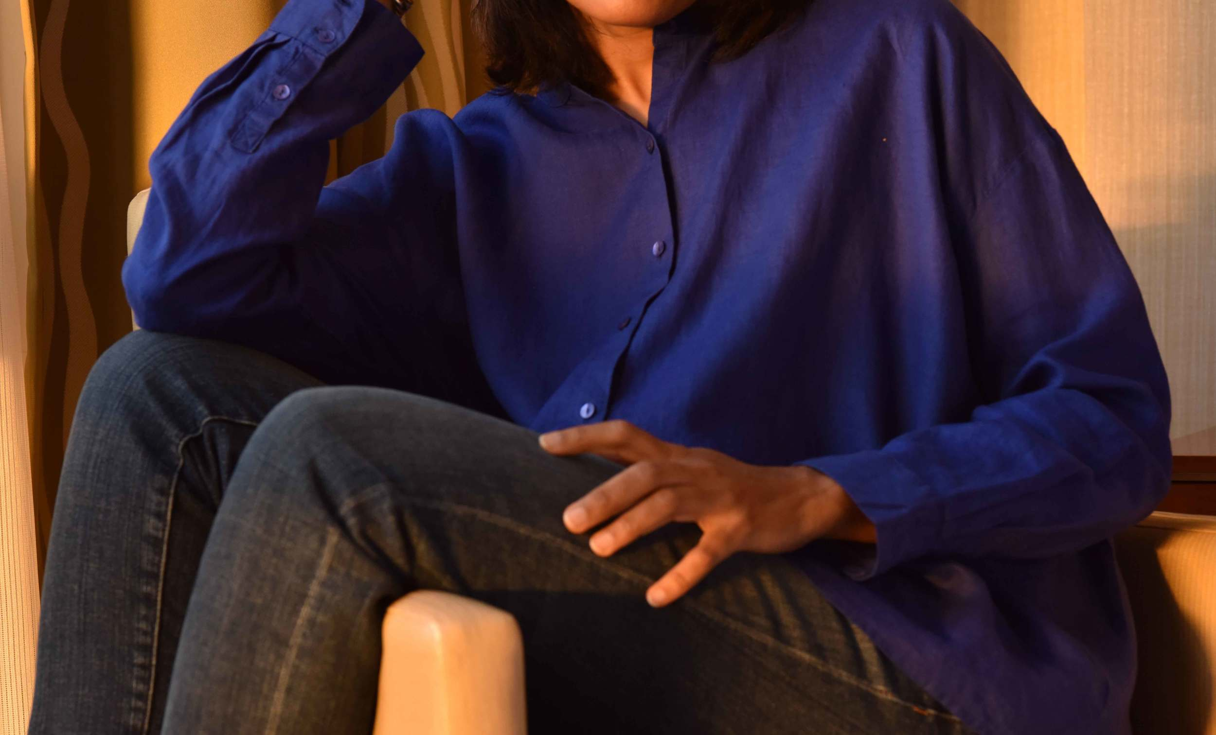 Eileen Fisher Mandarin Collar Shirt in Handkerchief Linen and Eileen Fisher Boyfriend Jeans.Image©gunjanvirk,