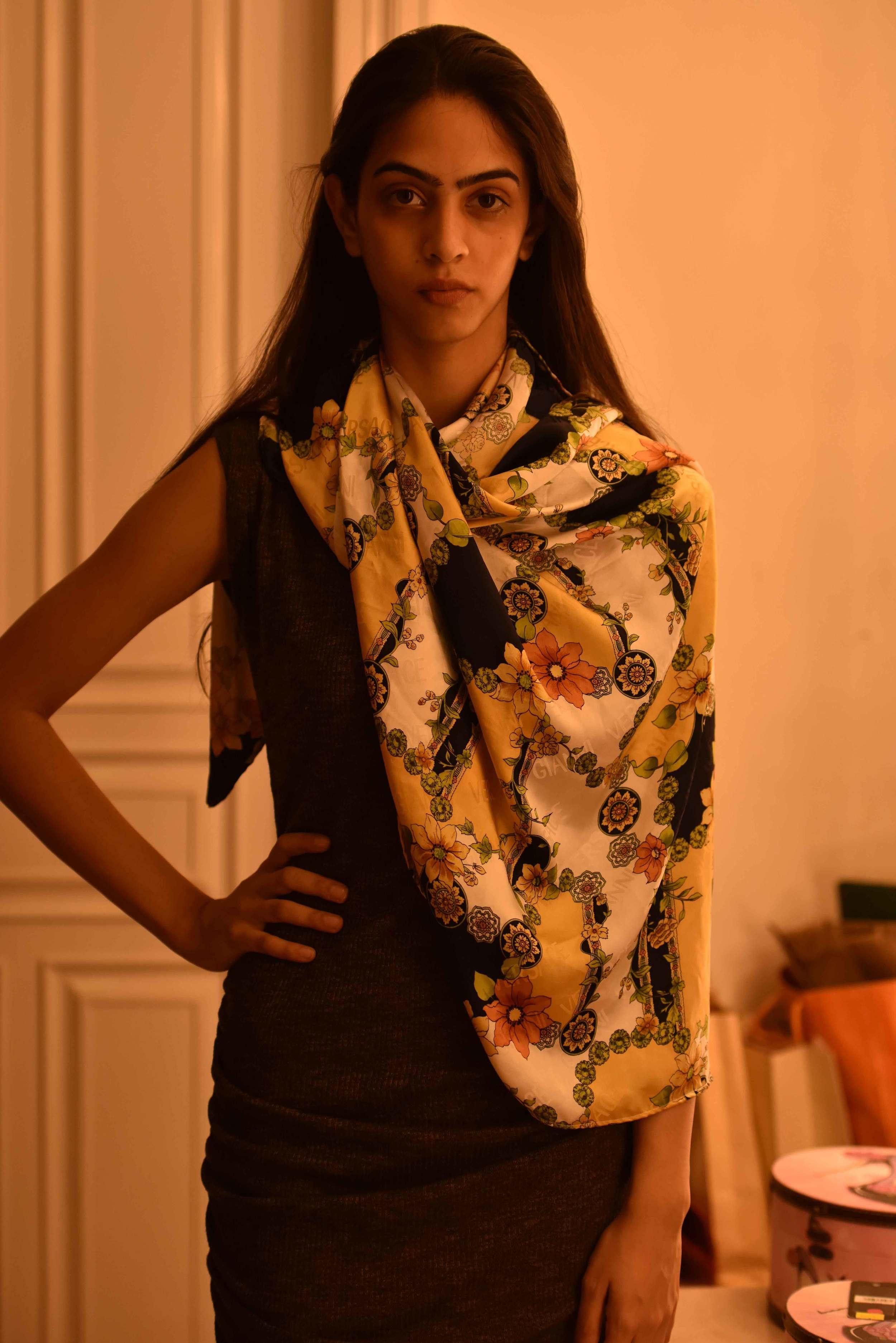 Throw the scarf on your shoulder:) Versace scarf, model: Mannat Dhaliwal, image©gunjanvirk.