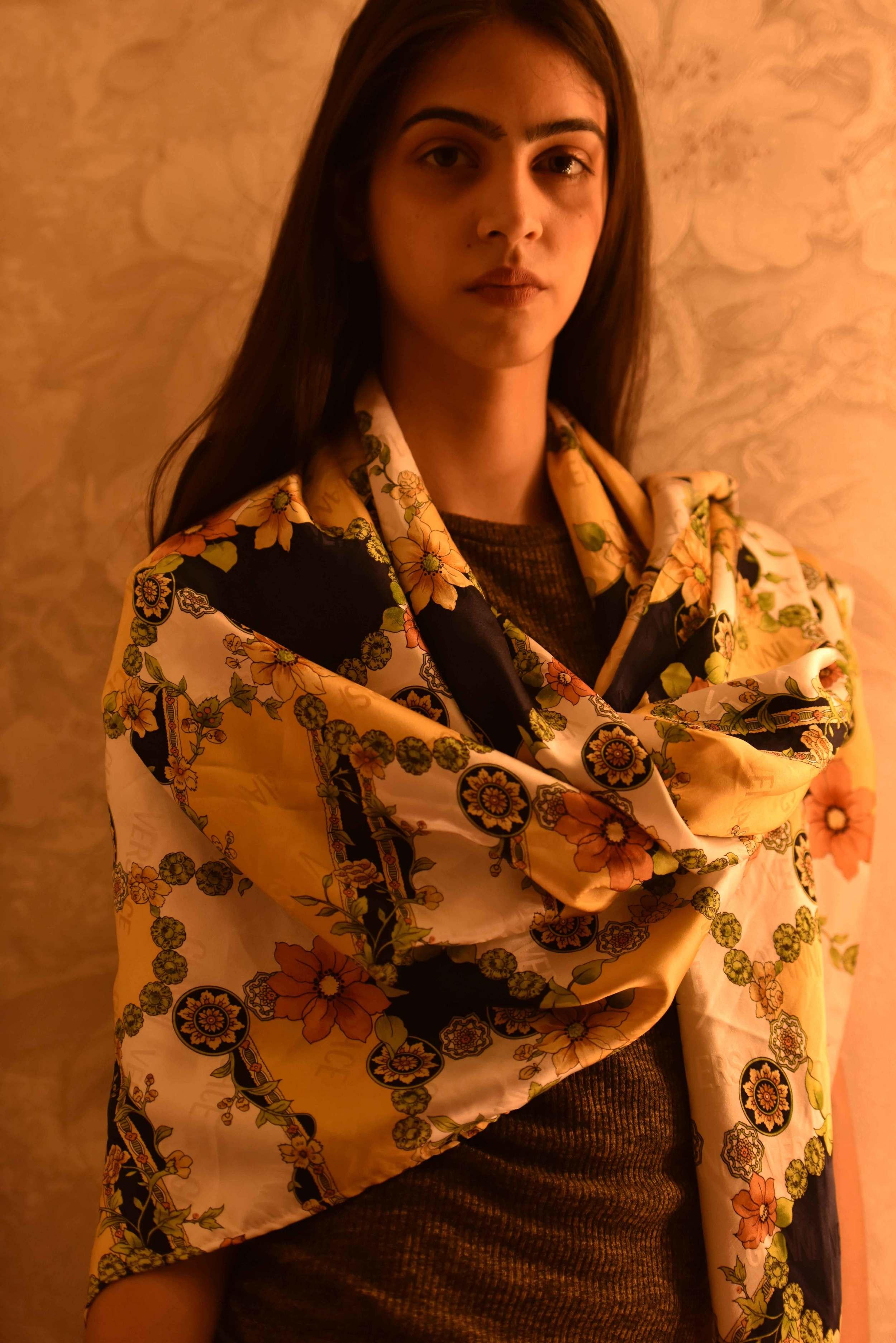 Use your scarf as a wrap:) Versace scarf, model: Mannat Dhaliwal, image©gunjanvirk.