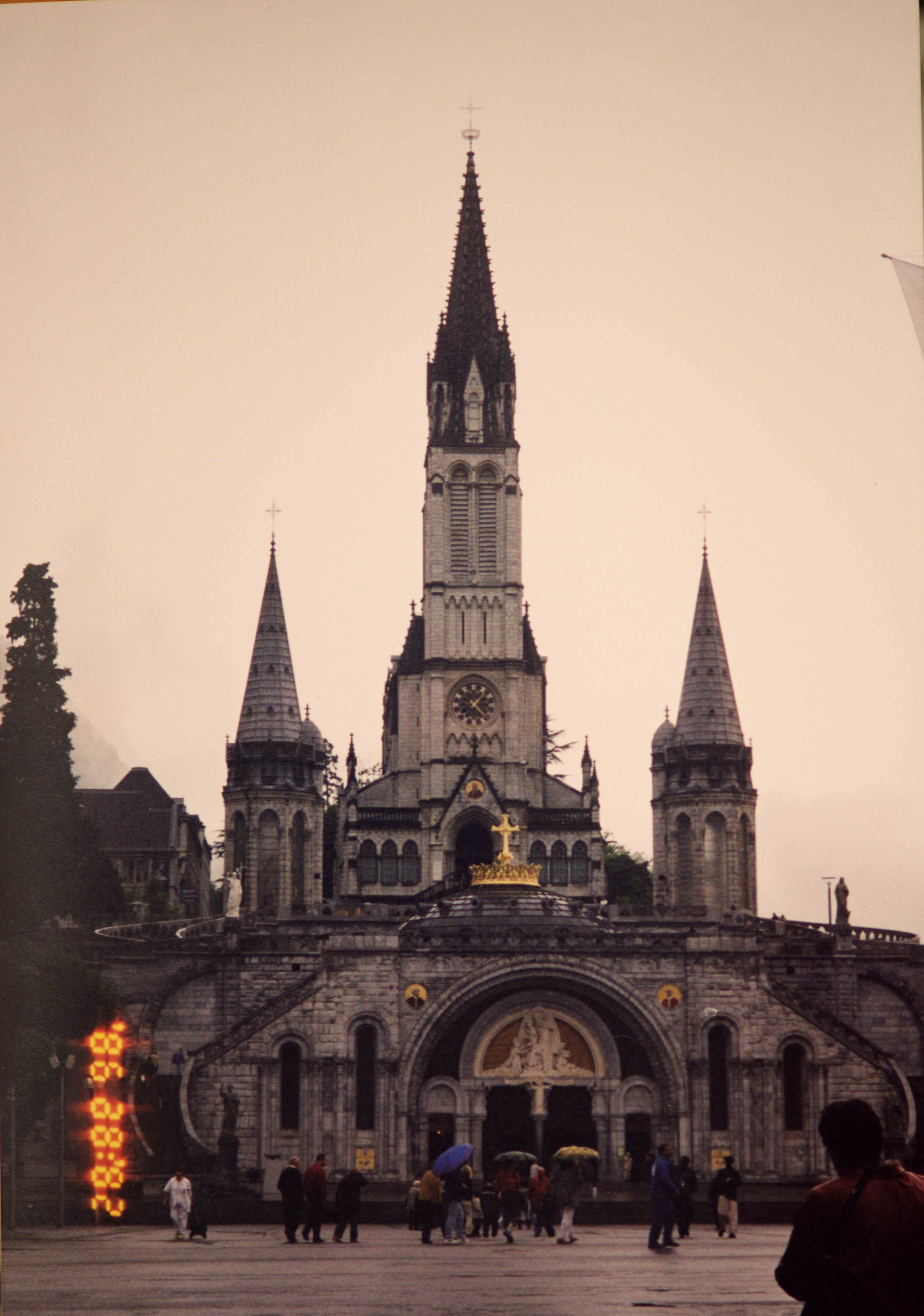 Basilica of the Rosary, image©sourcingstyle.com