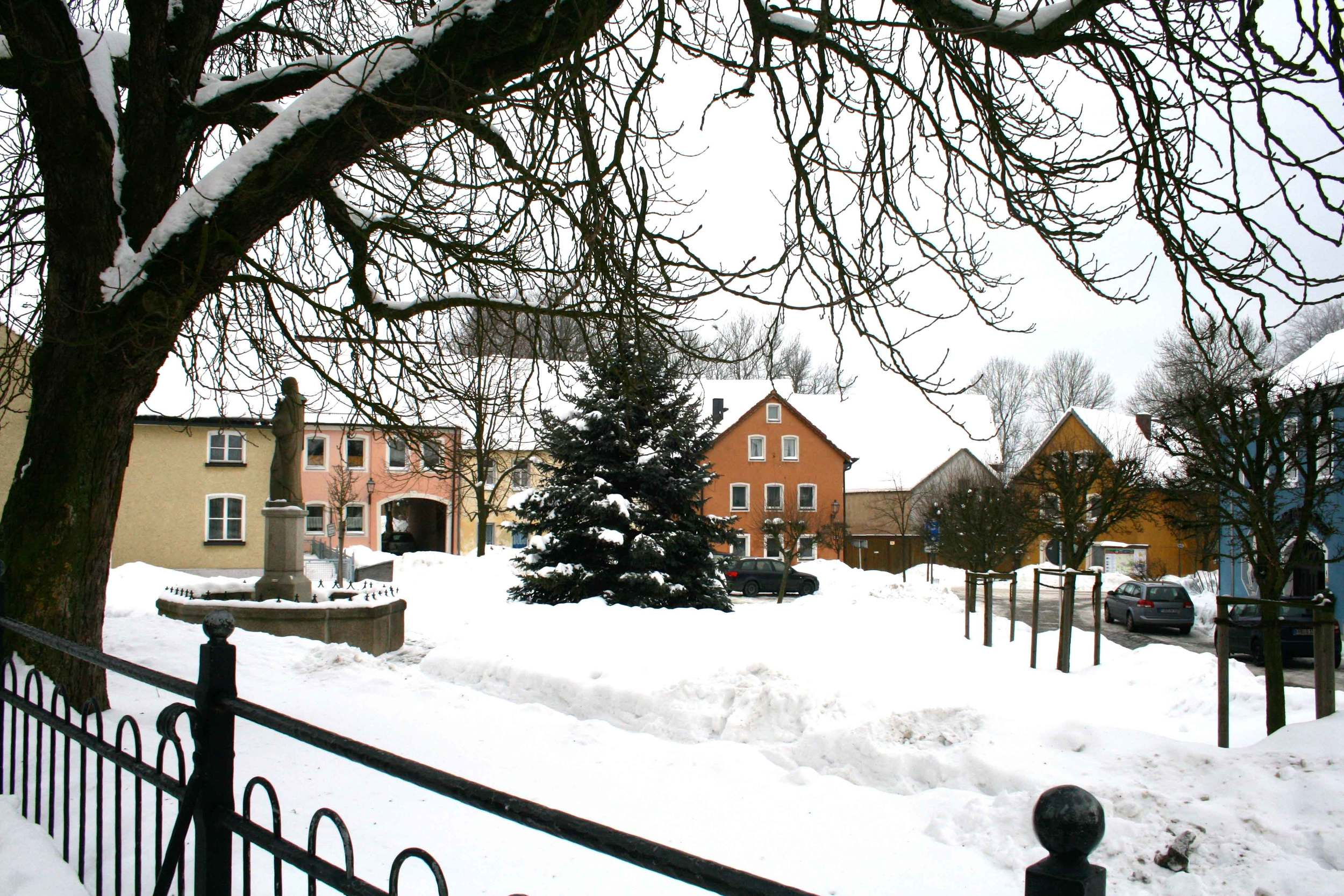 Image©sourcingstyle.com, Konnersreuth in winter.