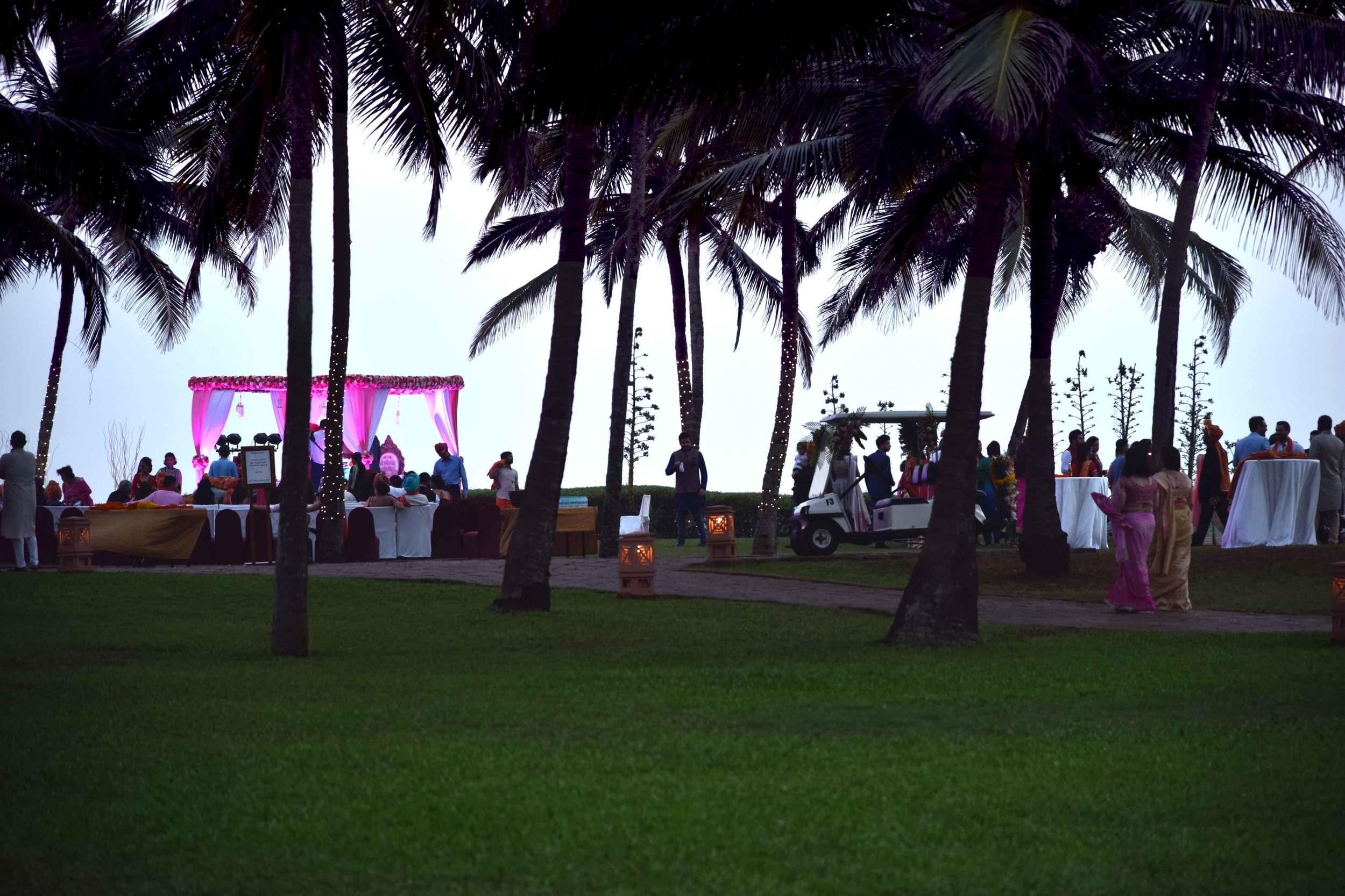 Wedding at the Park Hyatt Goa Hotel. Image©sourcingstyle.com.