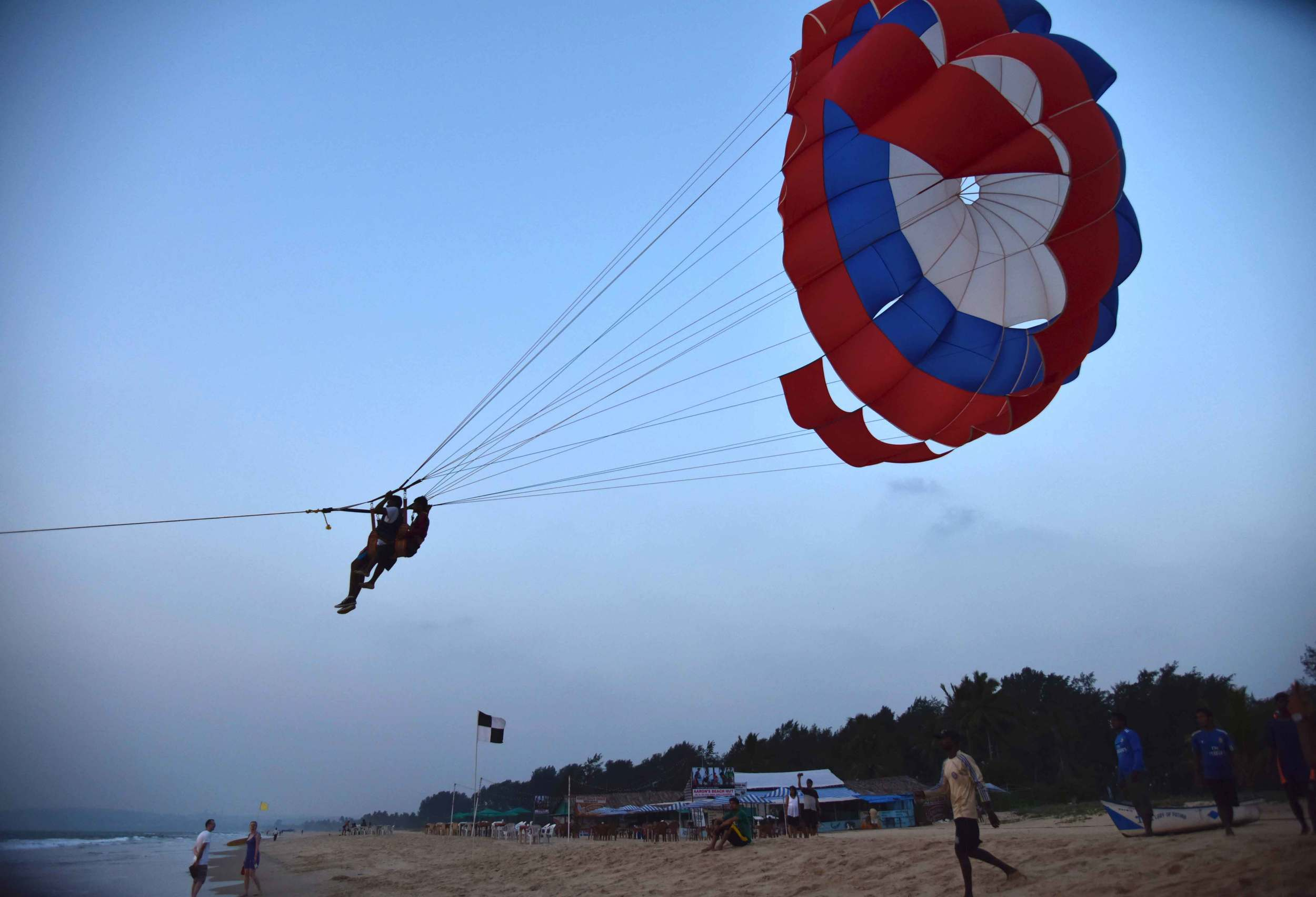 Paragliding on the beach at the Park Hyatt Hotel, Goa, image©sourcingstyle.com.