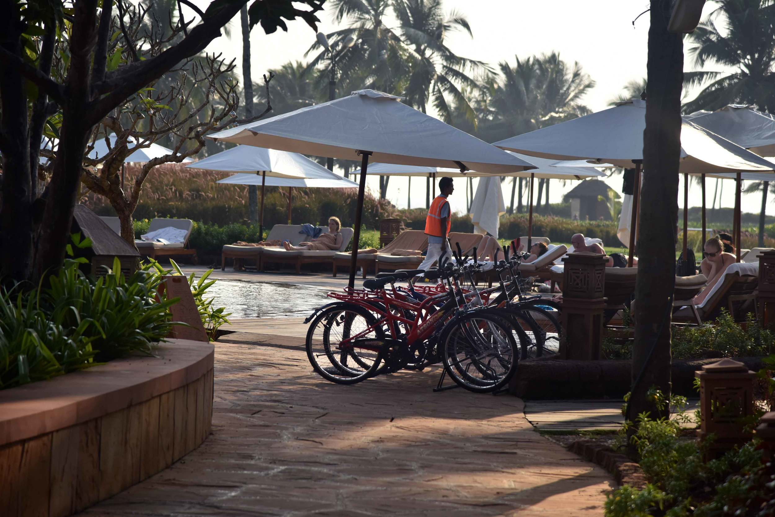 Bicycles for rent at the Park Hyatt Hotel, Goa, image©sourcingstyle.com.