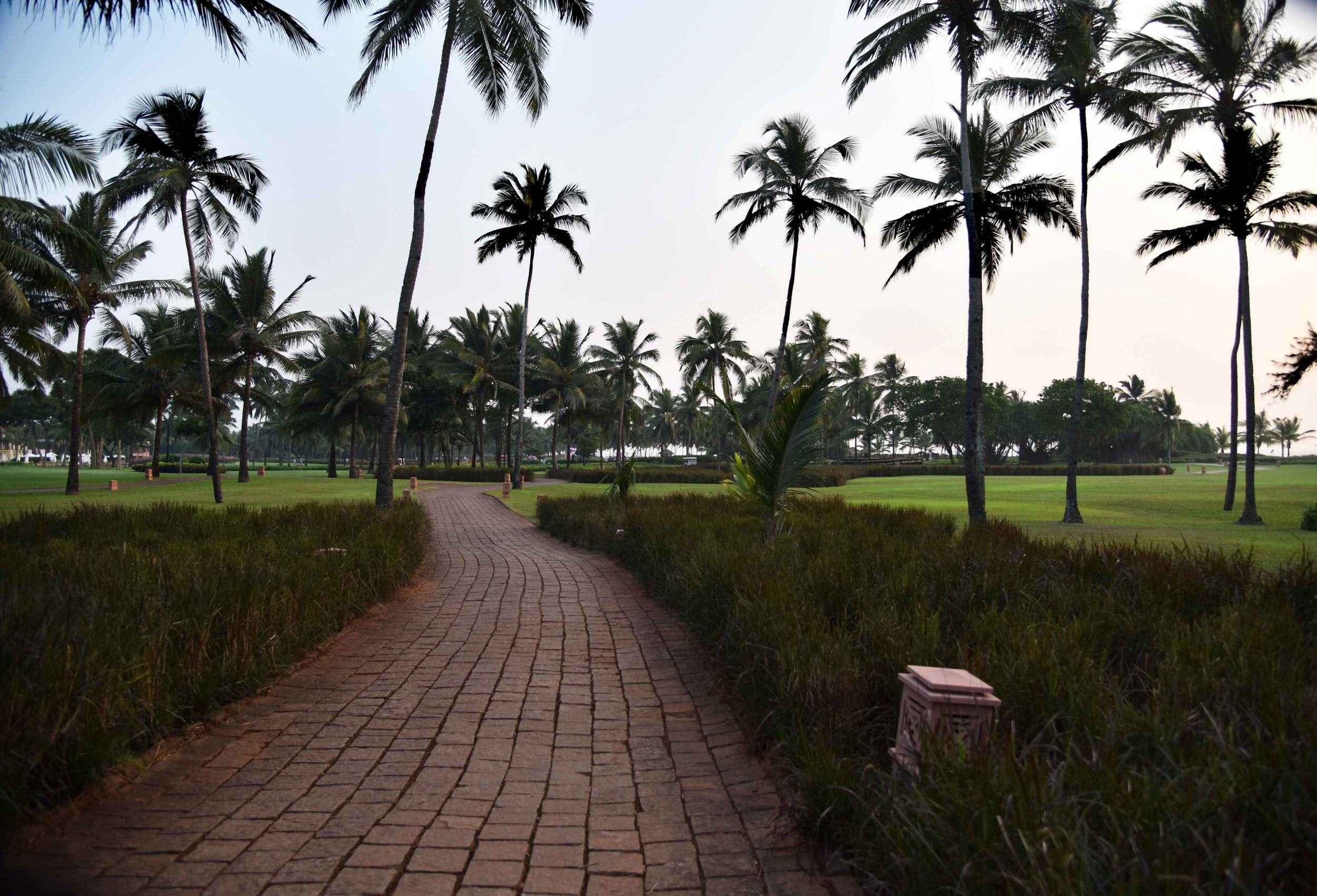 Extensive gardens at Park Hyatt Hotel, Goa, image©sourcingstyle.com.