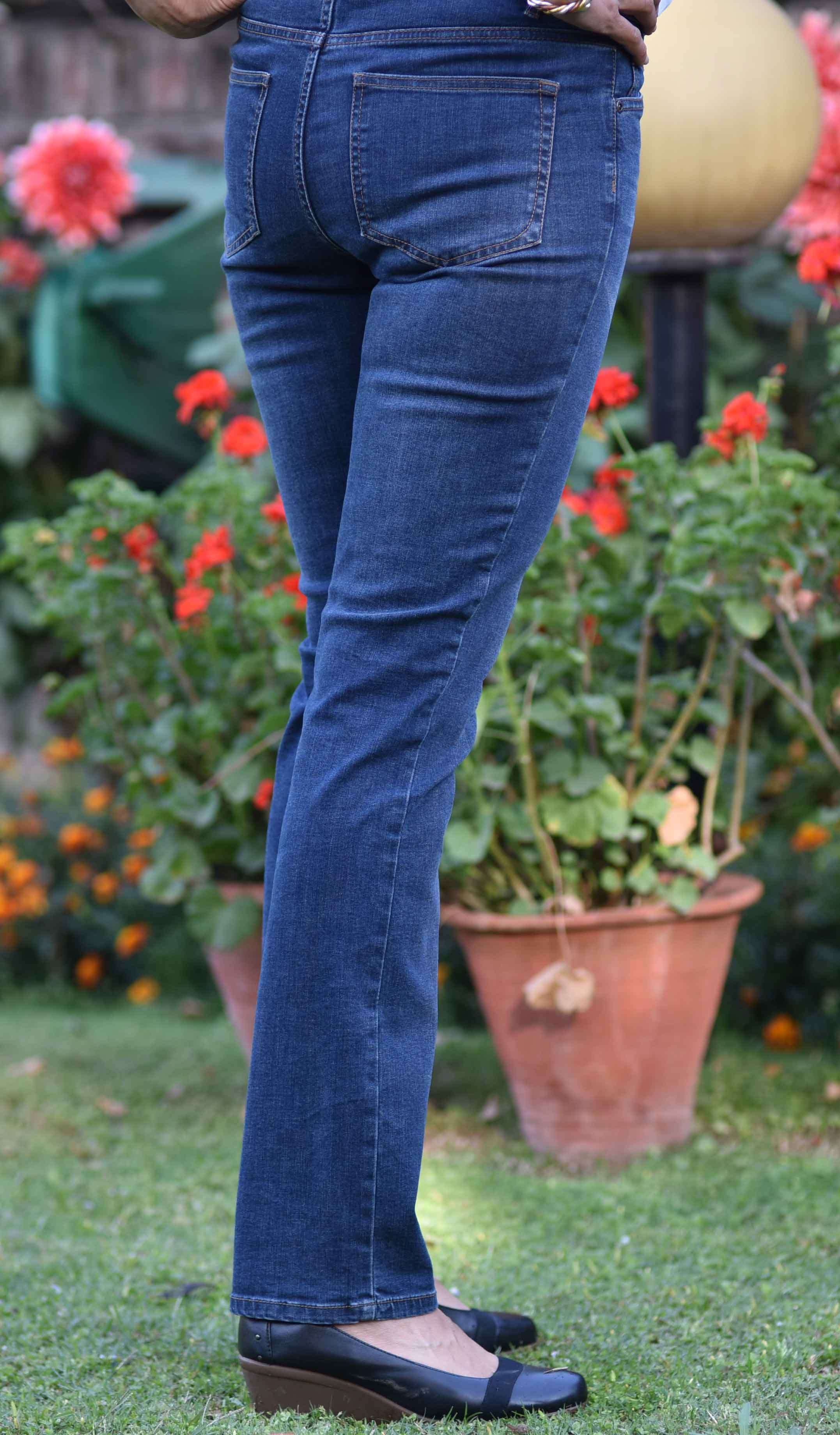 I look good in the JJill Smooth Fit Straight Leg Jeans! Image©gunjanvirk