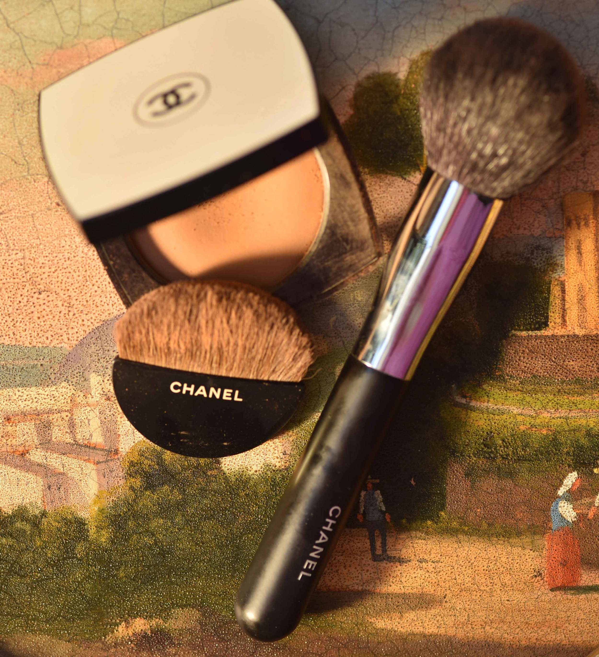 The Chanel Les Beiges Healthy Glow Sheer Color with the half-moon brush and the Chanel Powder Brush no. 1. Image©gunjanvirk