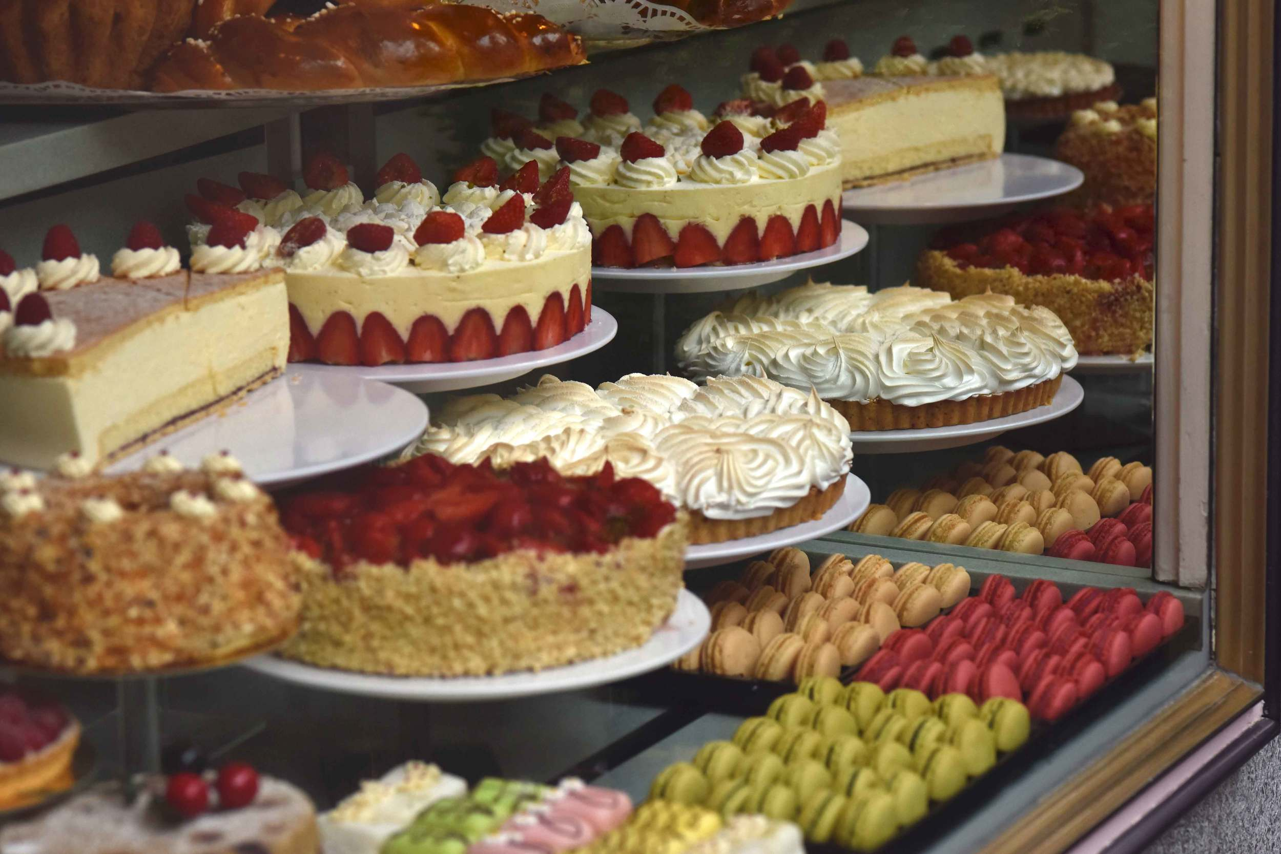 Cakes, pastries, tarts, display window of Cafe König, Baden Baden, Germany. Image©sourcingstyle.com
