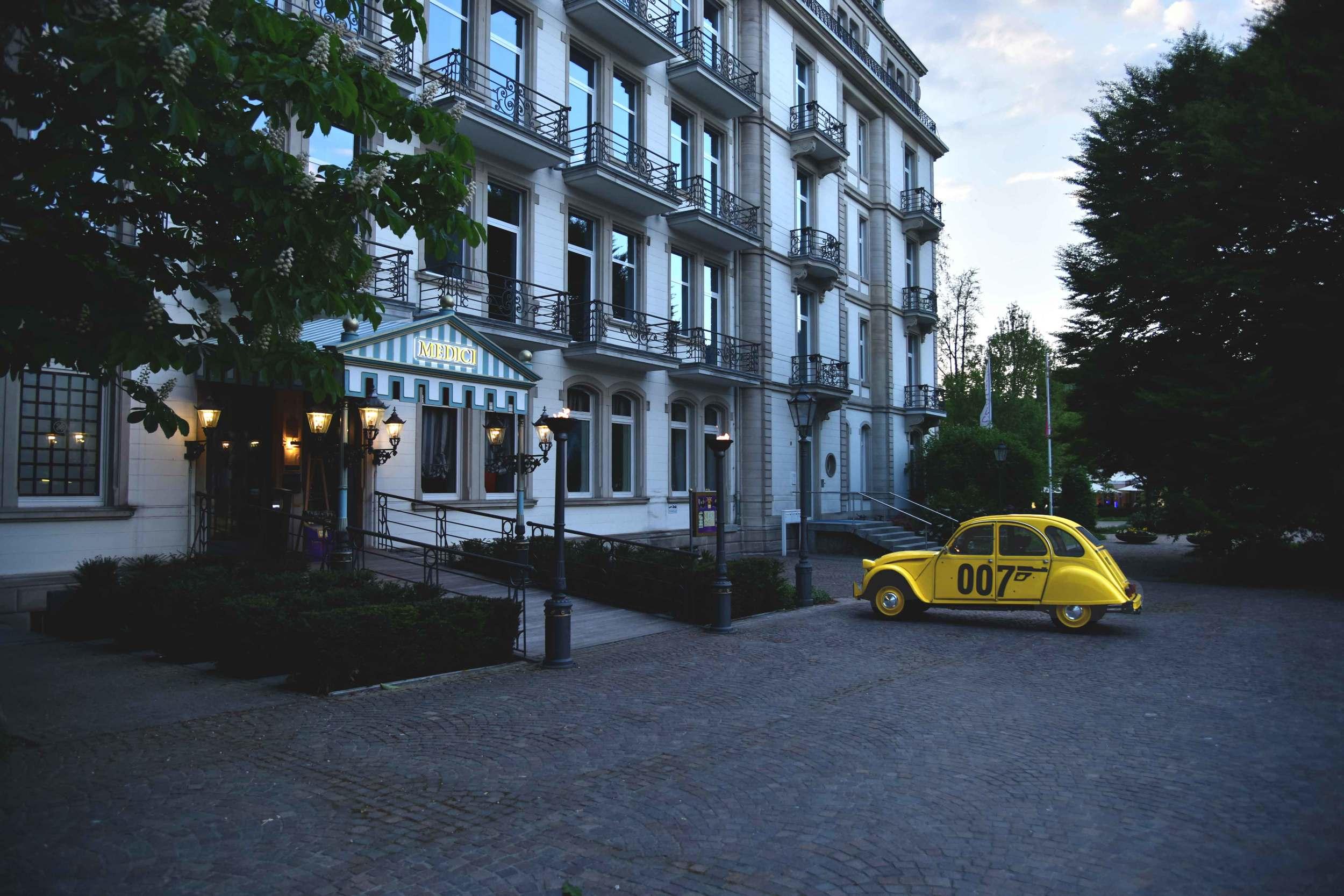 Medici restaurant and lounge bar, Lichtentaler Allee, Baden Baden, Germany. Image©sourcingstyle.com