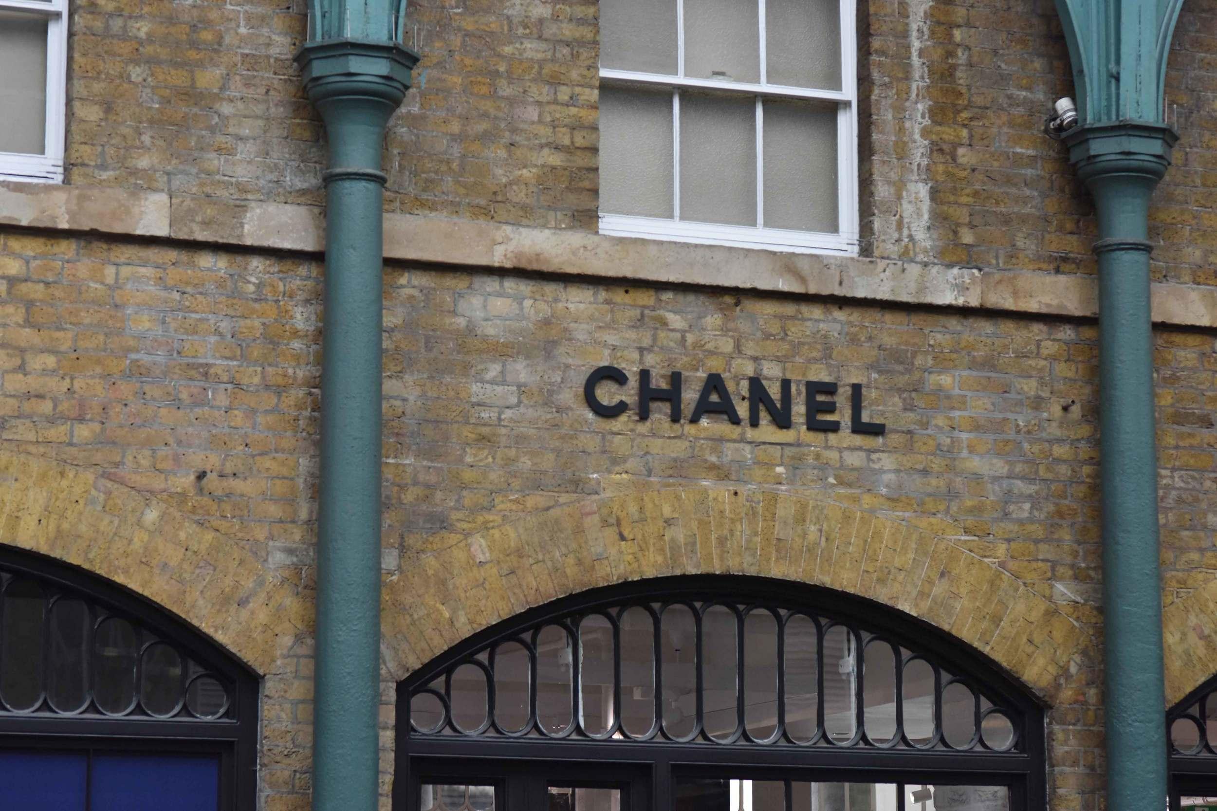 Chanel store, Apple Market, Covent Garden, London, UK. Image©sourcingstyle.com