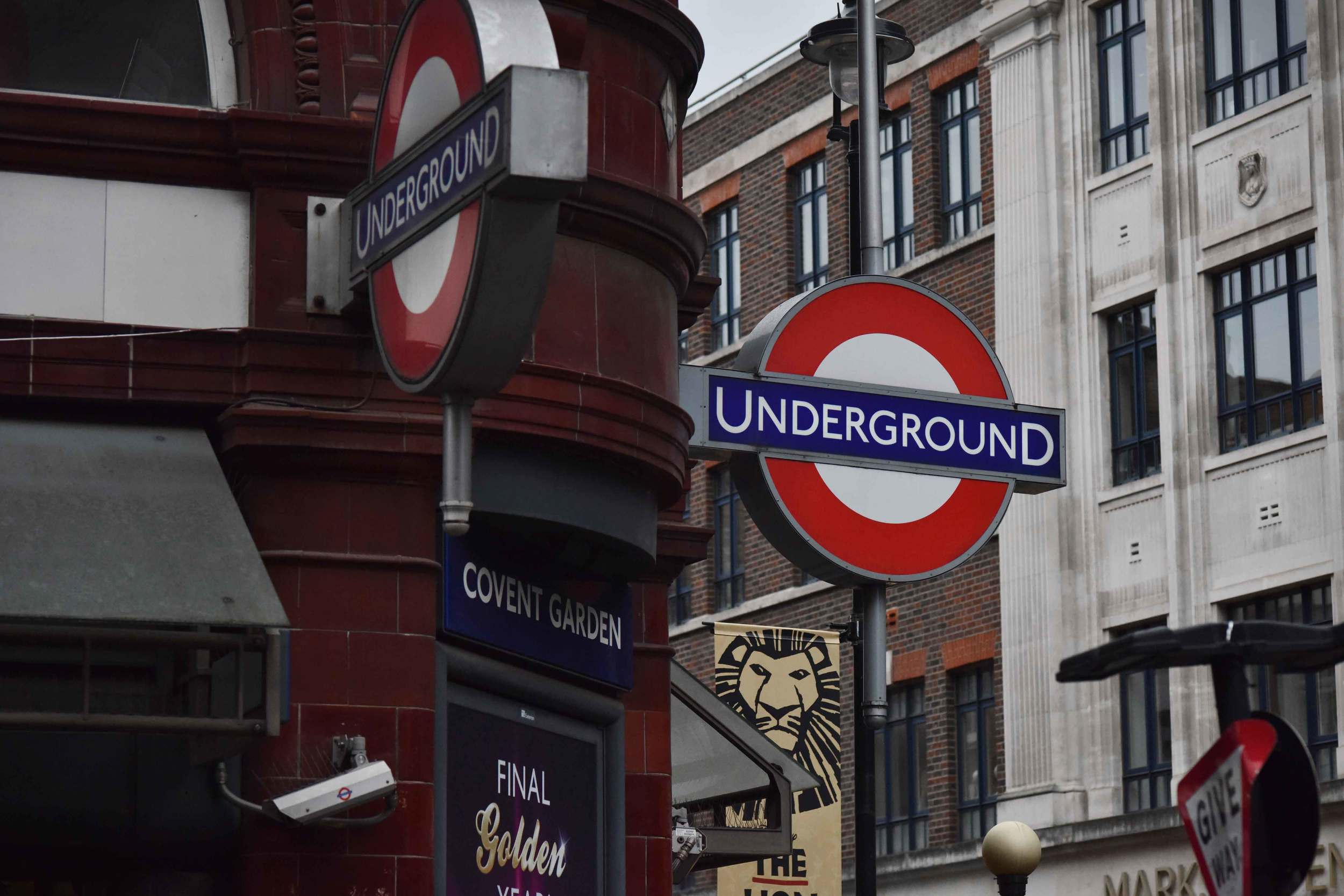 Covent Garden underground station, tube station, London, UK. Image©sourcingstyle.com