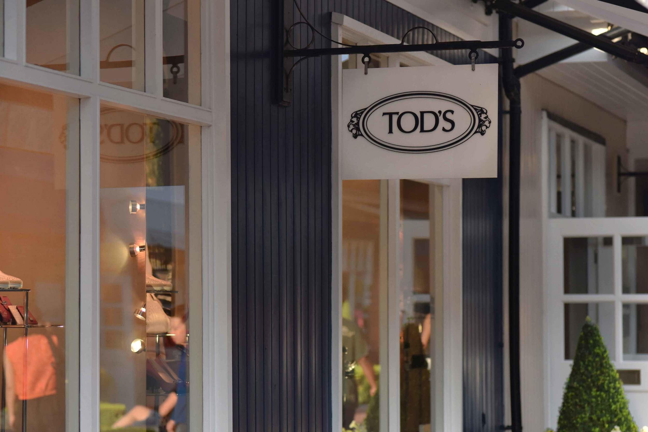 Tod's store, Bicester village, designer shopping outlet near London, UK. Image©sourcingstyle.com