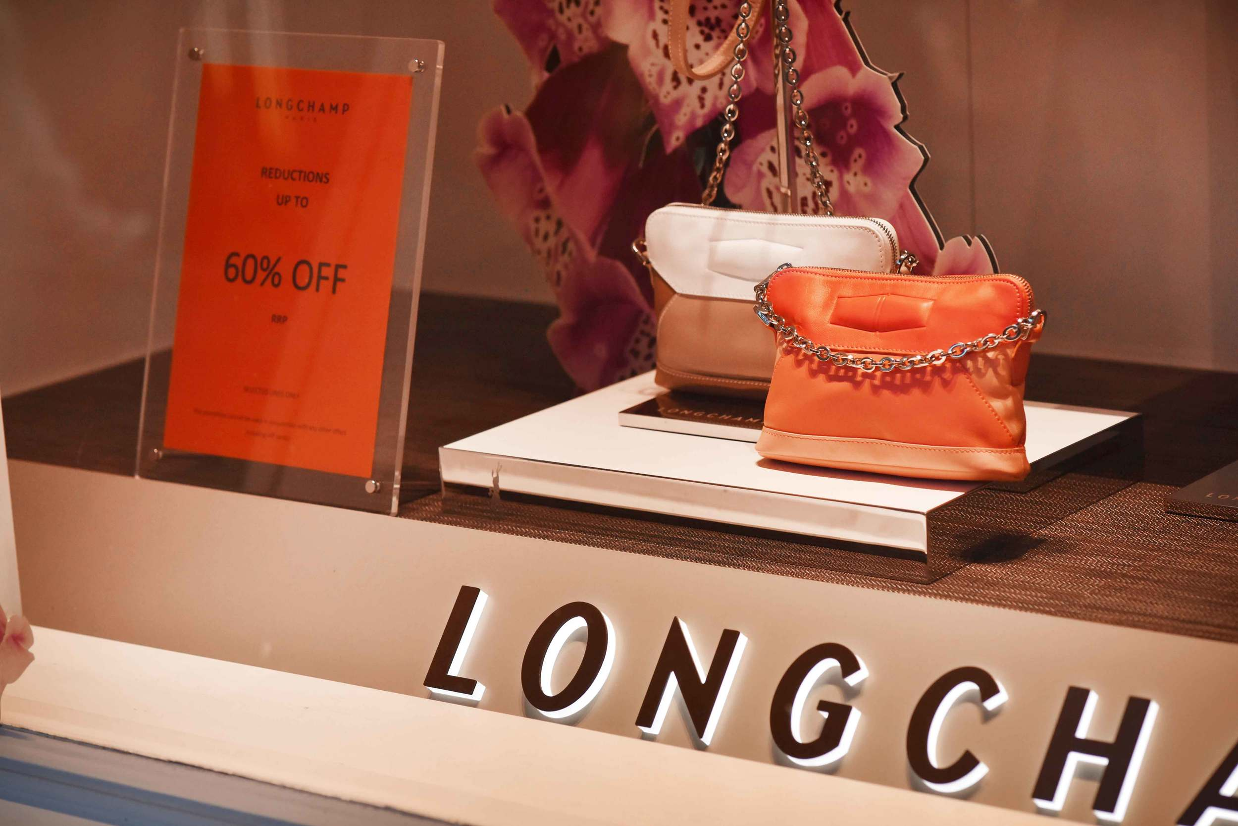 Longchamp, Bicester village, designer shopping outlet near London, UK. Image©sourcingstyle.com