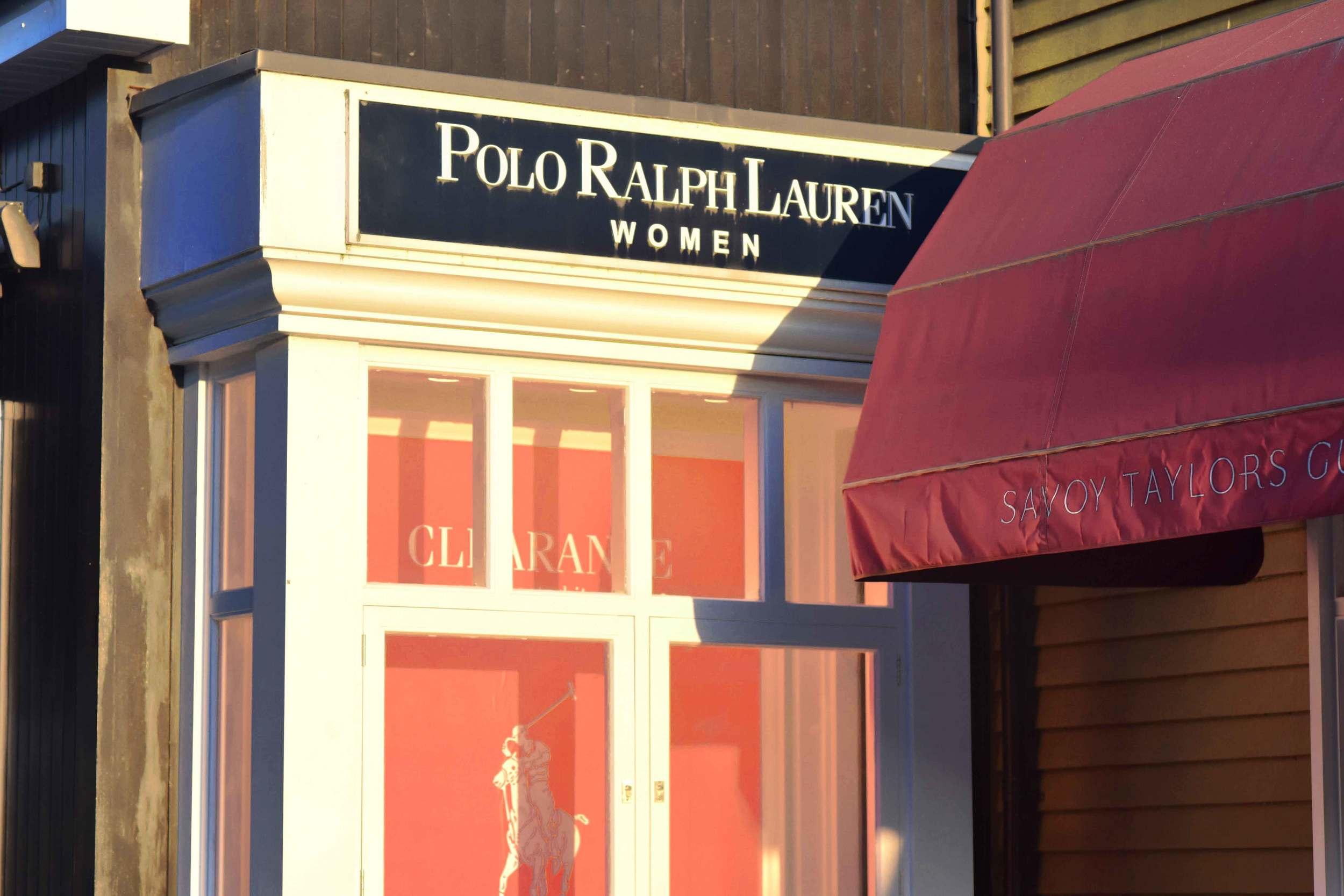 Polo Ralph Lauren, Bicester village, designer shopping outlet near London, UK. Image©sourcingstyle.com
