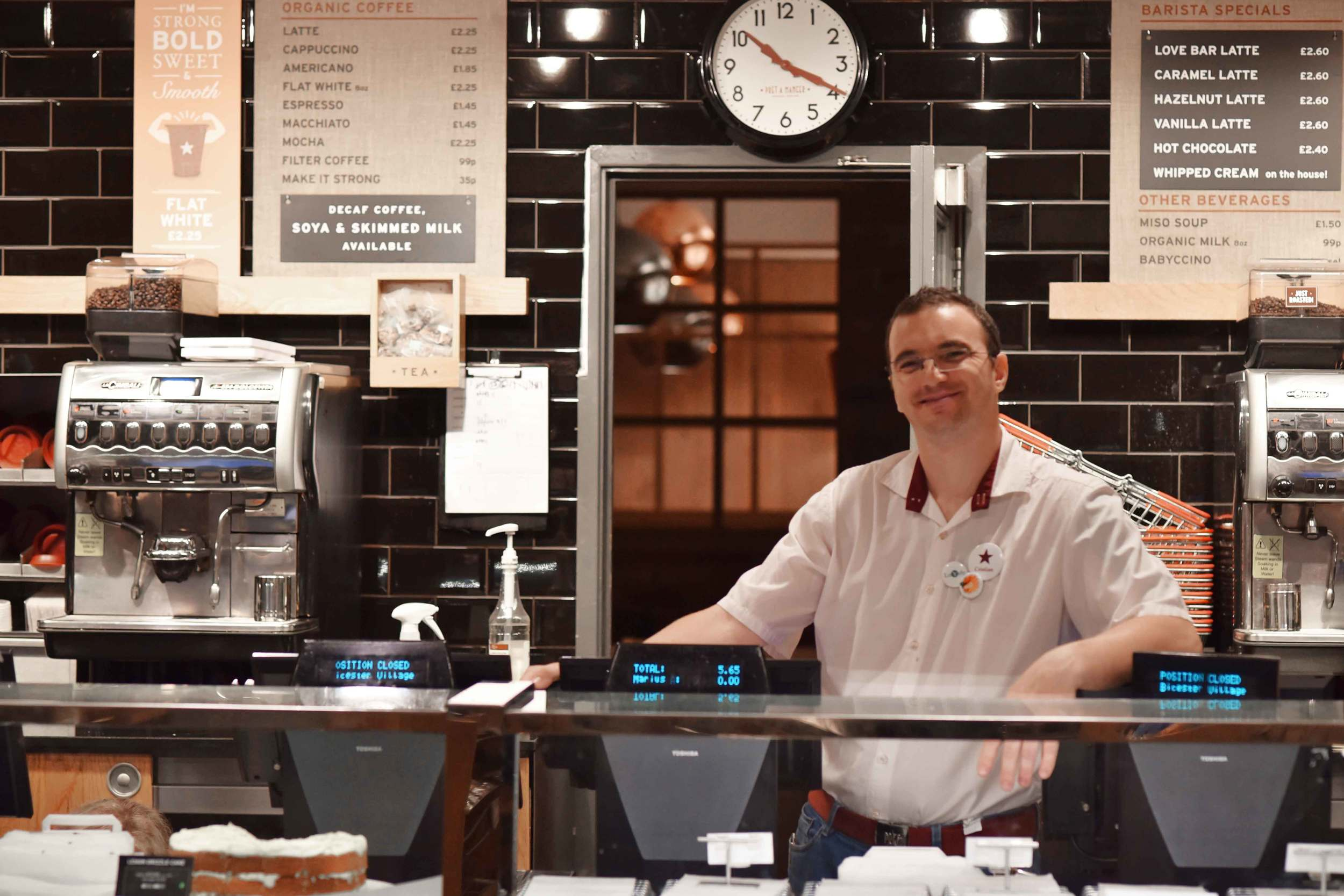 Pret a Manger, Bicester village, designer shopping outlet near London, UK. Image©sourcingstyle.com