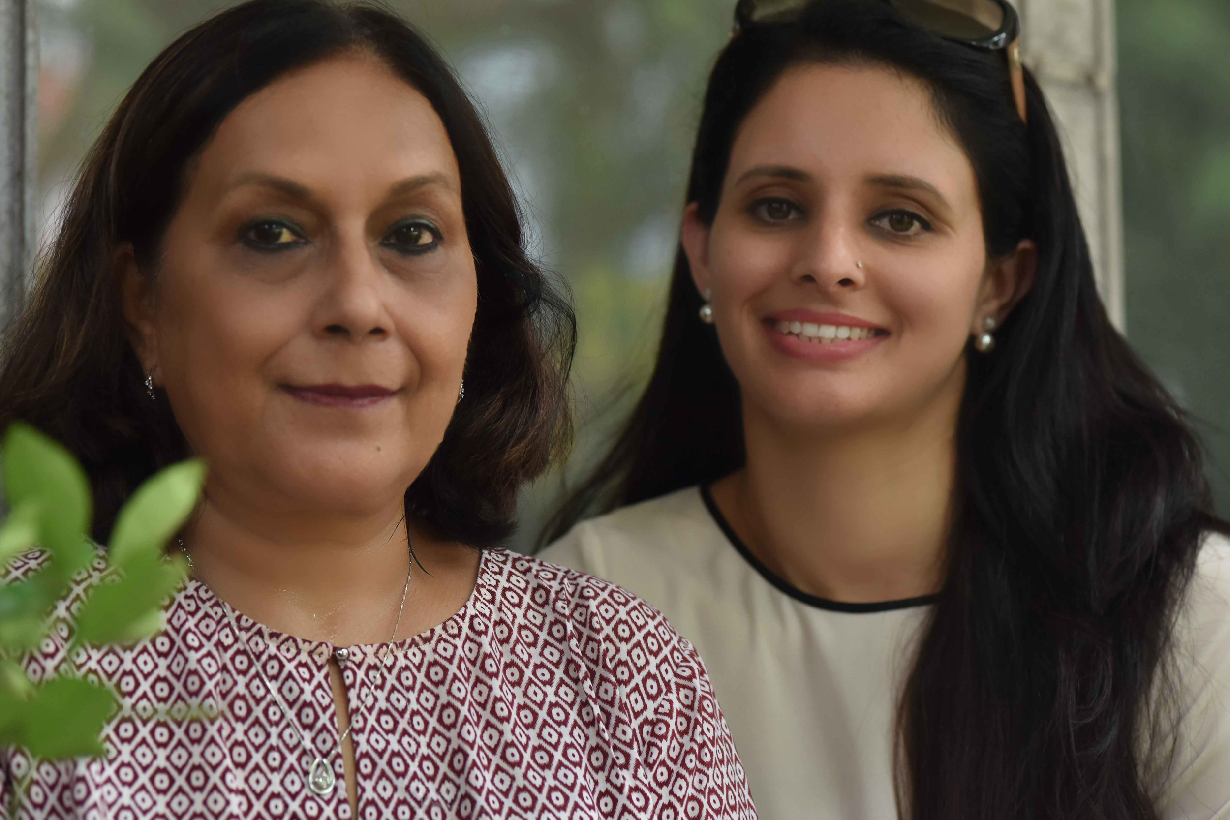 Geeta with her daughter-in-law Dipti Singh, dream team! Image©sourcingstyle.com