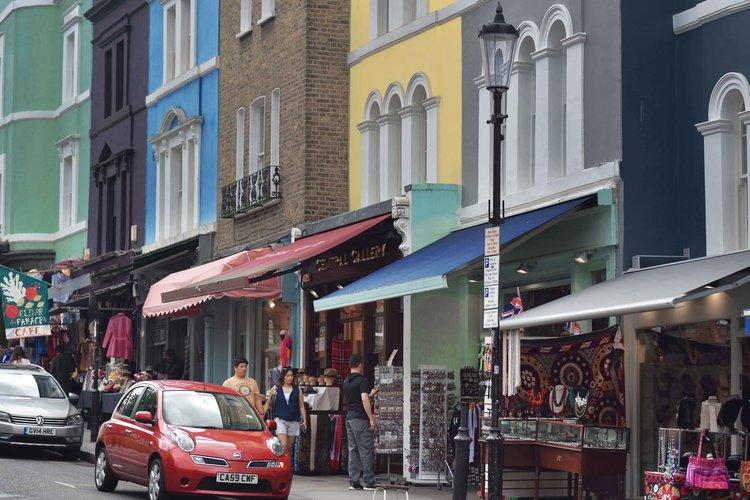 Notting Hill, Portobello Road, London. Image©sourcingstyle.com