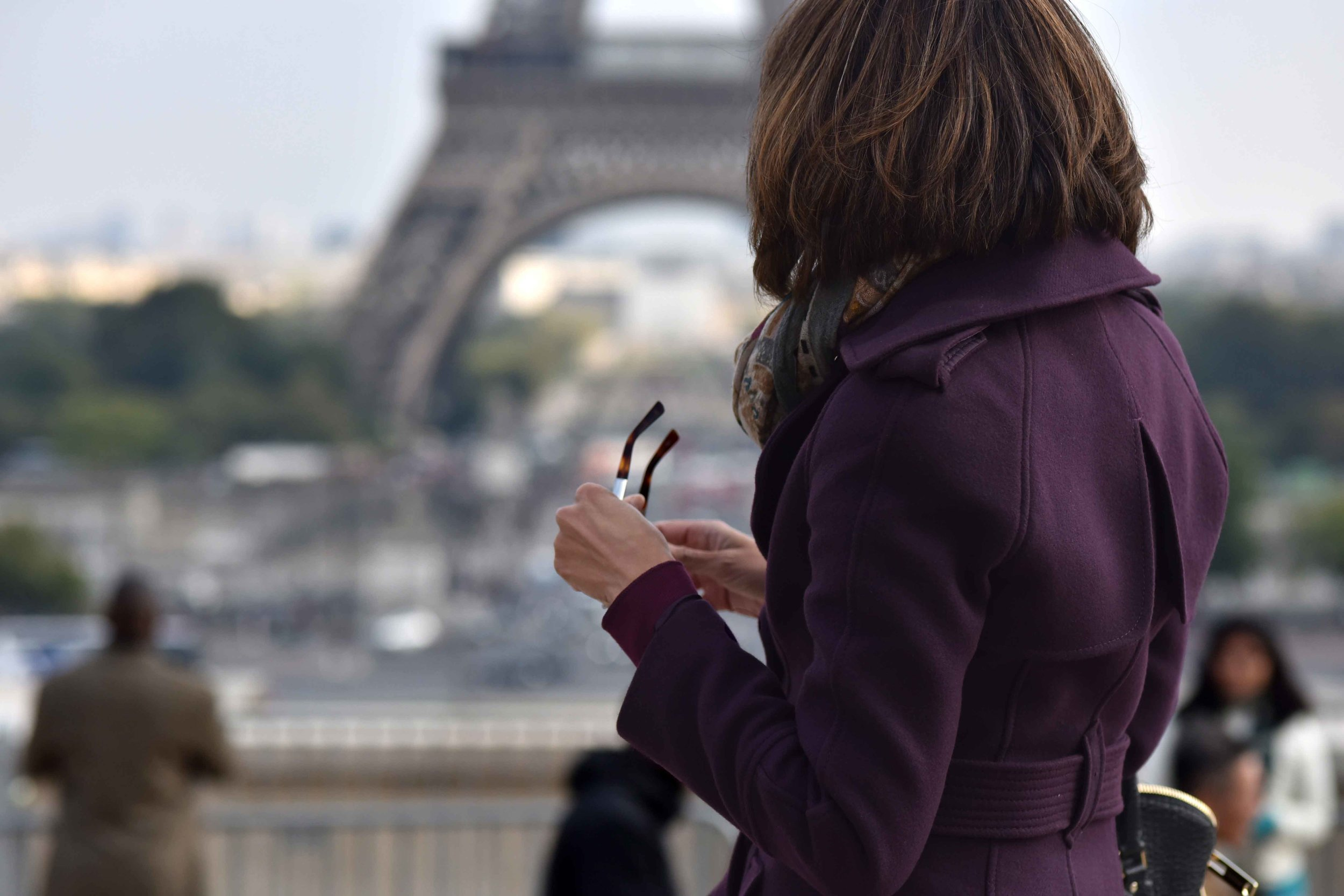 Karen Millen fall winter coat, Gucci sunglasses, Eiffel Tower, Paris. Image©sourcingstyle.com