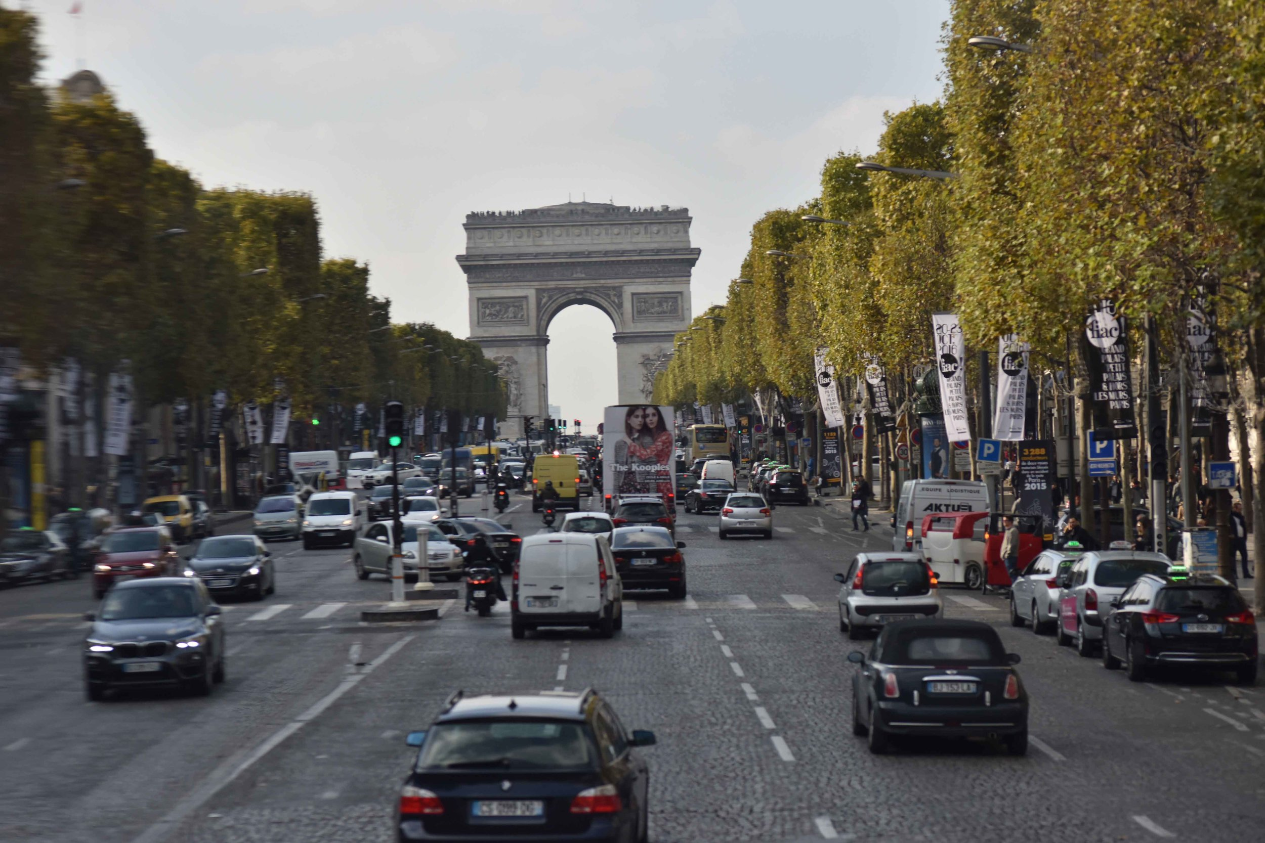 Arc de Triomphe, Paris. Photo: Nina Shaw. Image©sourcingstyle.com